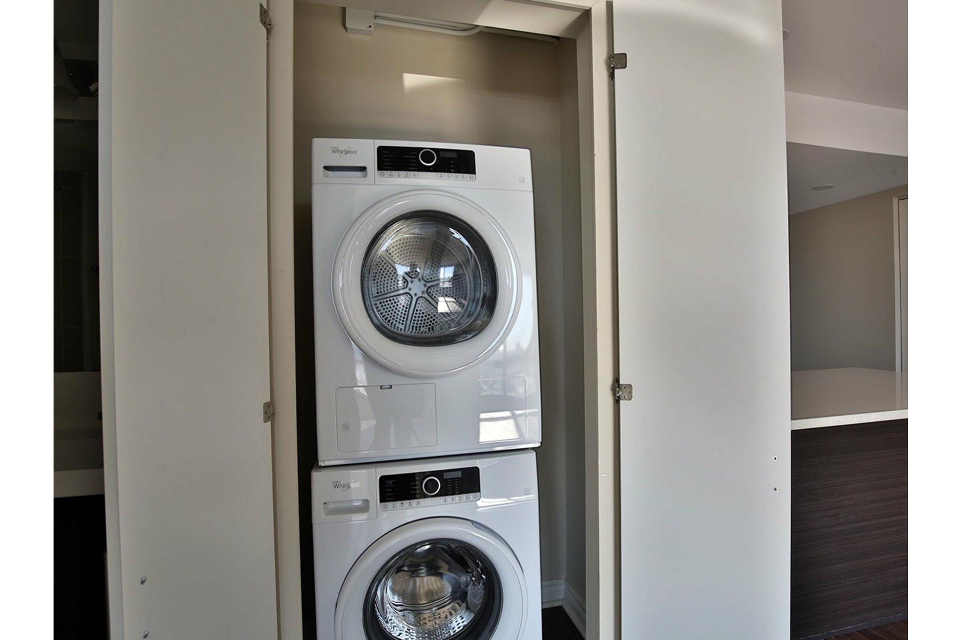 image 13 - Apartment For rent Le Plateau-Mont-Royal Montréal  - 4 rooms