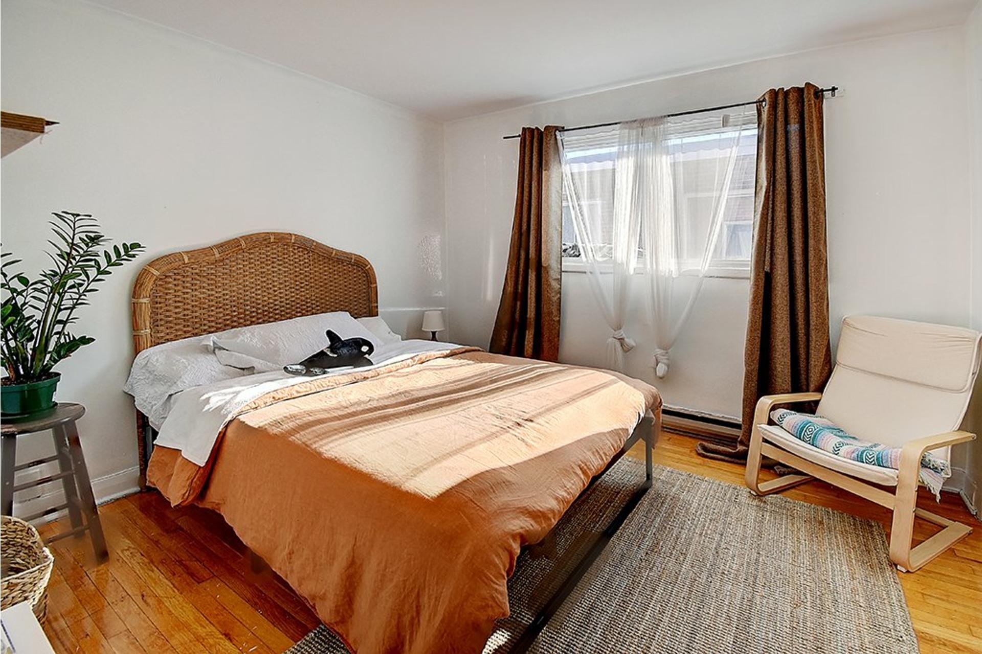 image 27 - Triplex For sale LaSalle Montréal  - 9 rooms