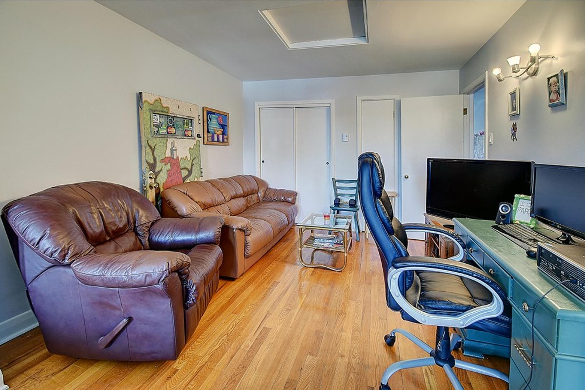 image 20 - Triplex For sale LaSalle Montréal  - 9 rooms