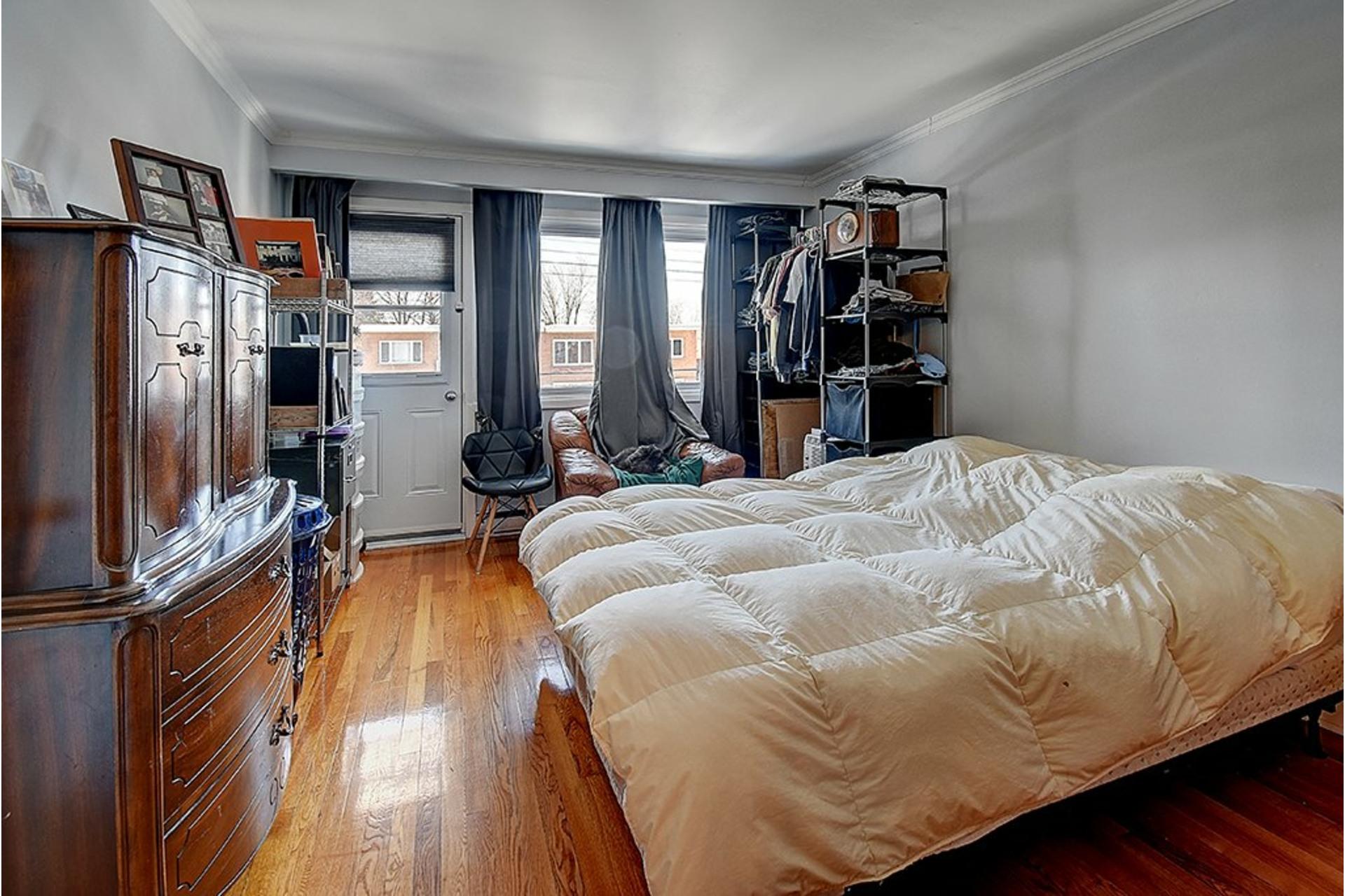 image 19 - Triplex For sale LaSalle Montréal  - 9 rooms
