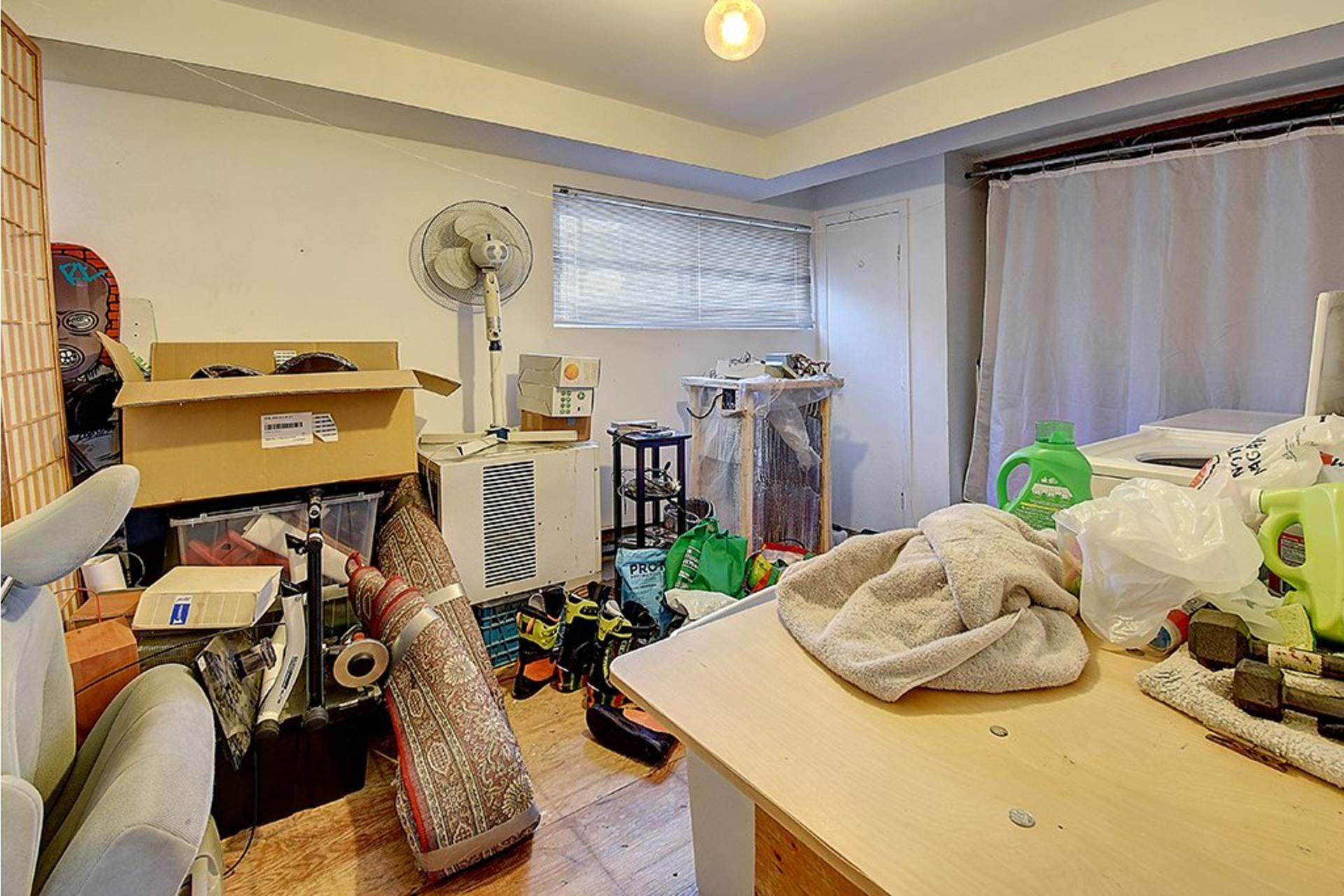 image 17 - Triplex For sale LaSalle Montréal  - 9 rooms