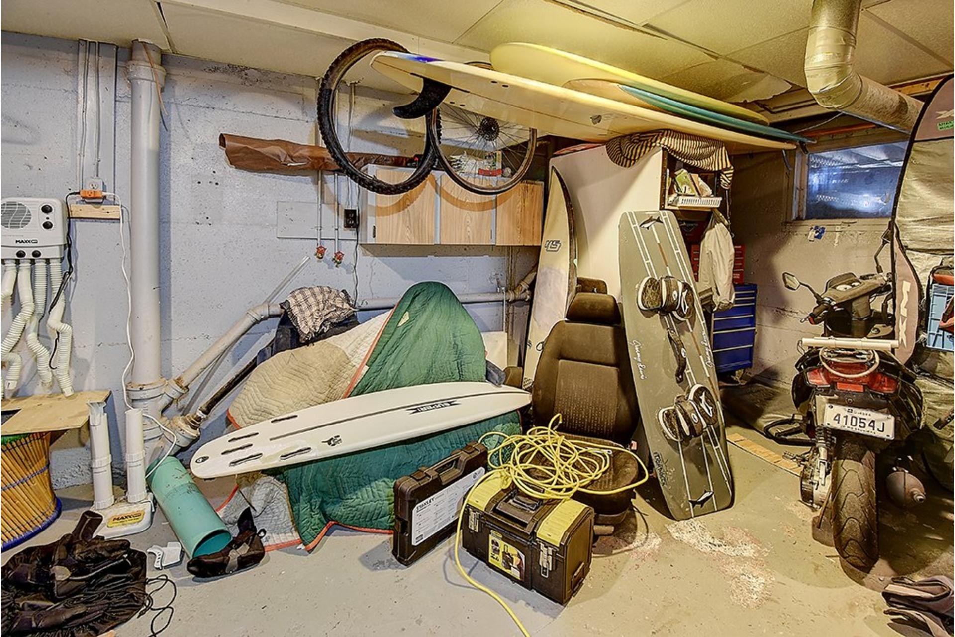 image 18 - Triplex For sale LaSalle Montréal  - 9 rooms