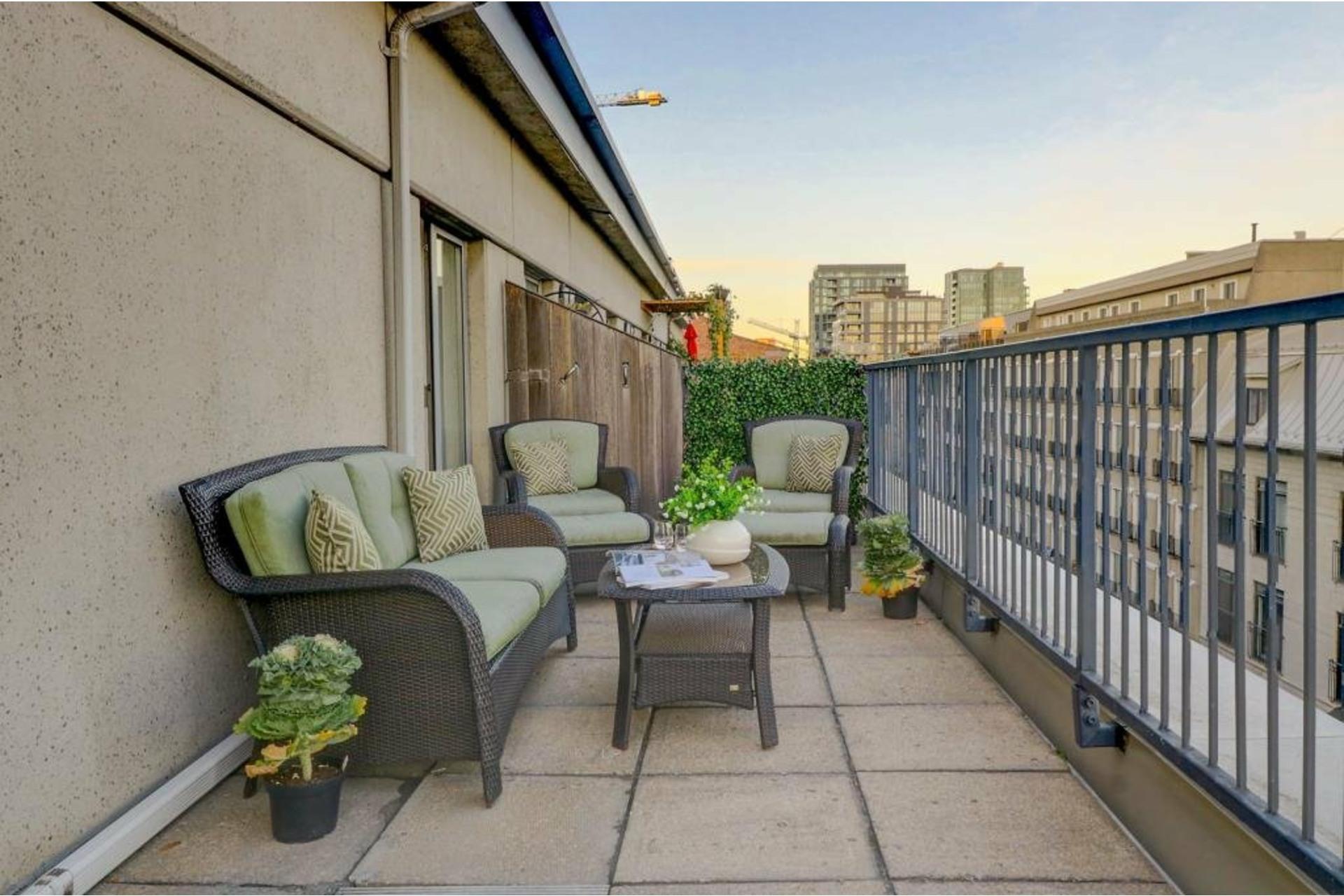 image 10 - Apartment For rent Ville-Marie Montréal  - 4 rooms