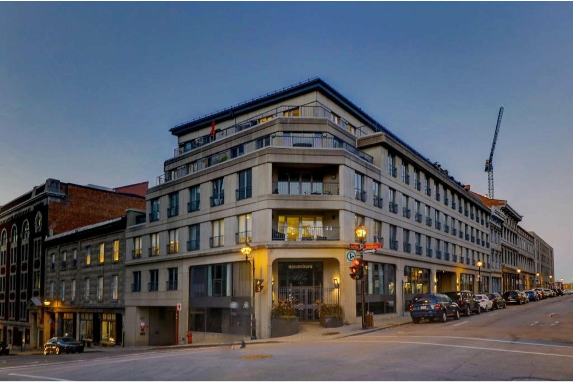 image 14 - Apartment For rent Ville-Marie Montréal  - 4 rooms
