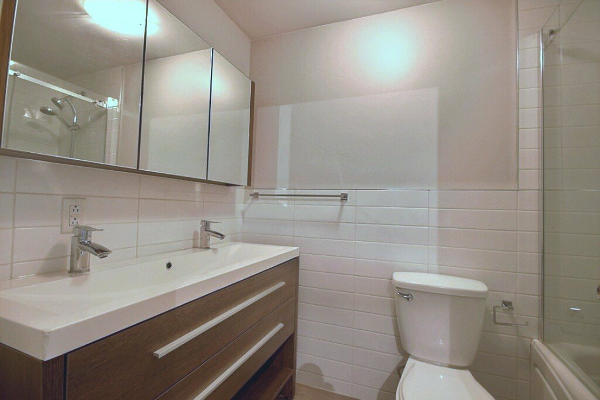 image 7 - Apartment For rent LaSalle Montréal  - 5 rooms