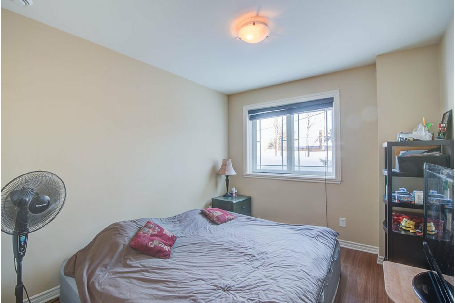 image 15 - Appartement À vendre Sainte-Anne-des-Plaines - 7 pièces