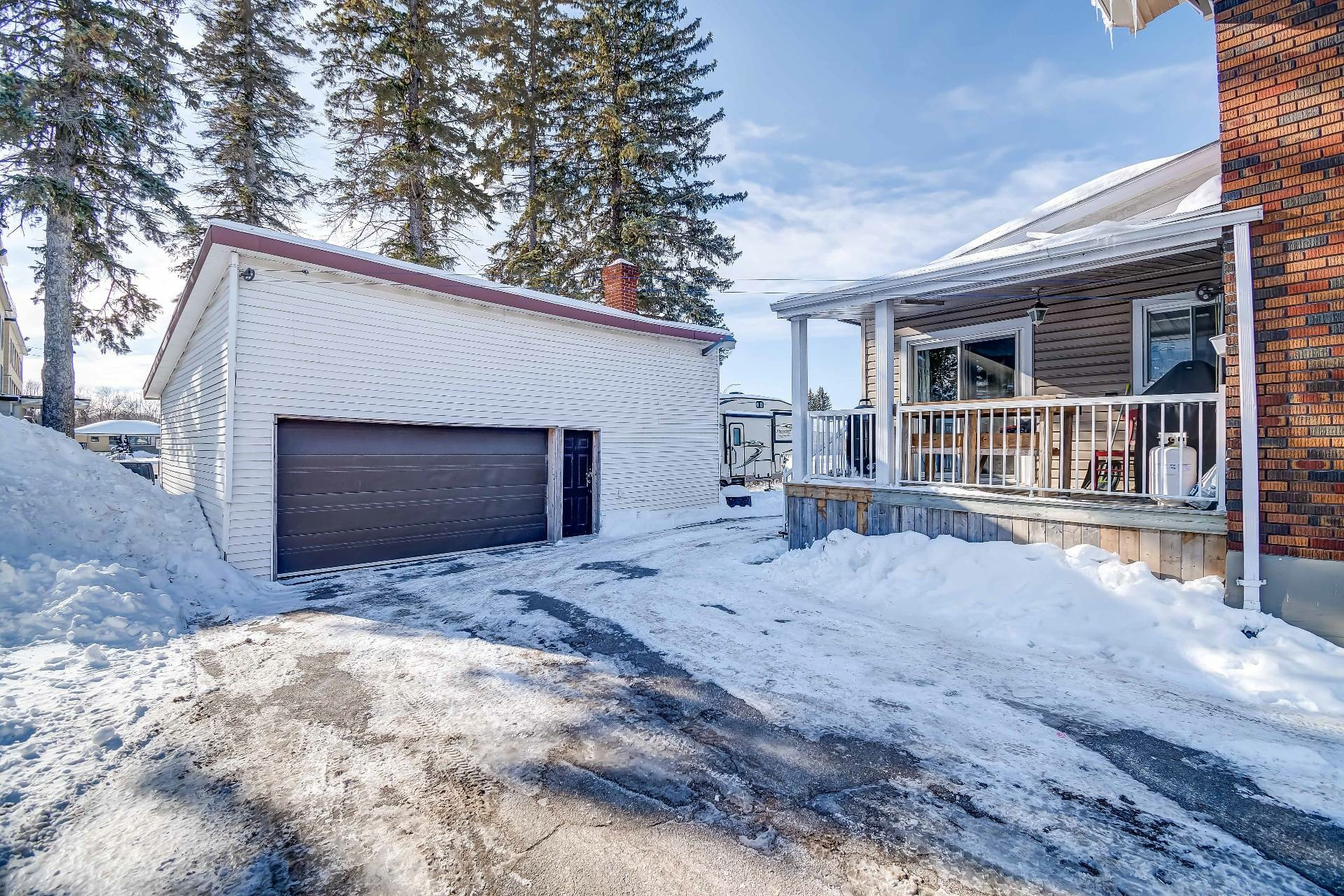 image 4 - House For sale Louiseville - 10 rooms