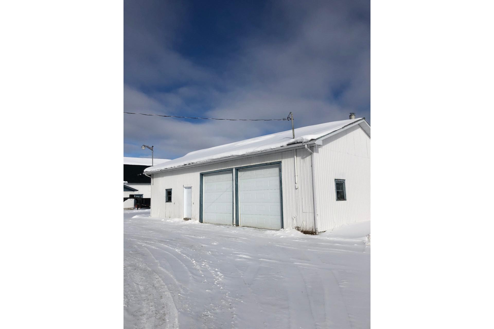 image 2 - House For sale Sainte-Marie-de-Blandford - 12 rooms