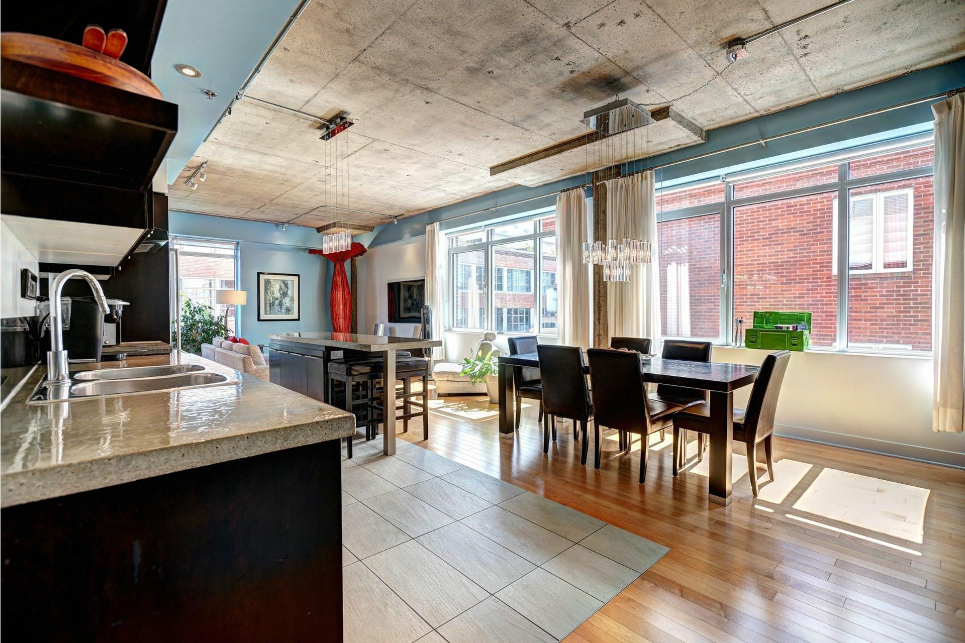 image 0 - Appartement À louer Villeray/Saint-Michel/Parc-Extension Montréal  - 8 pièces