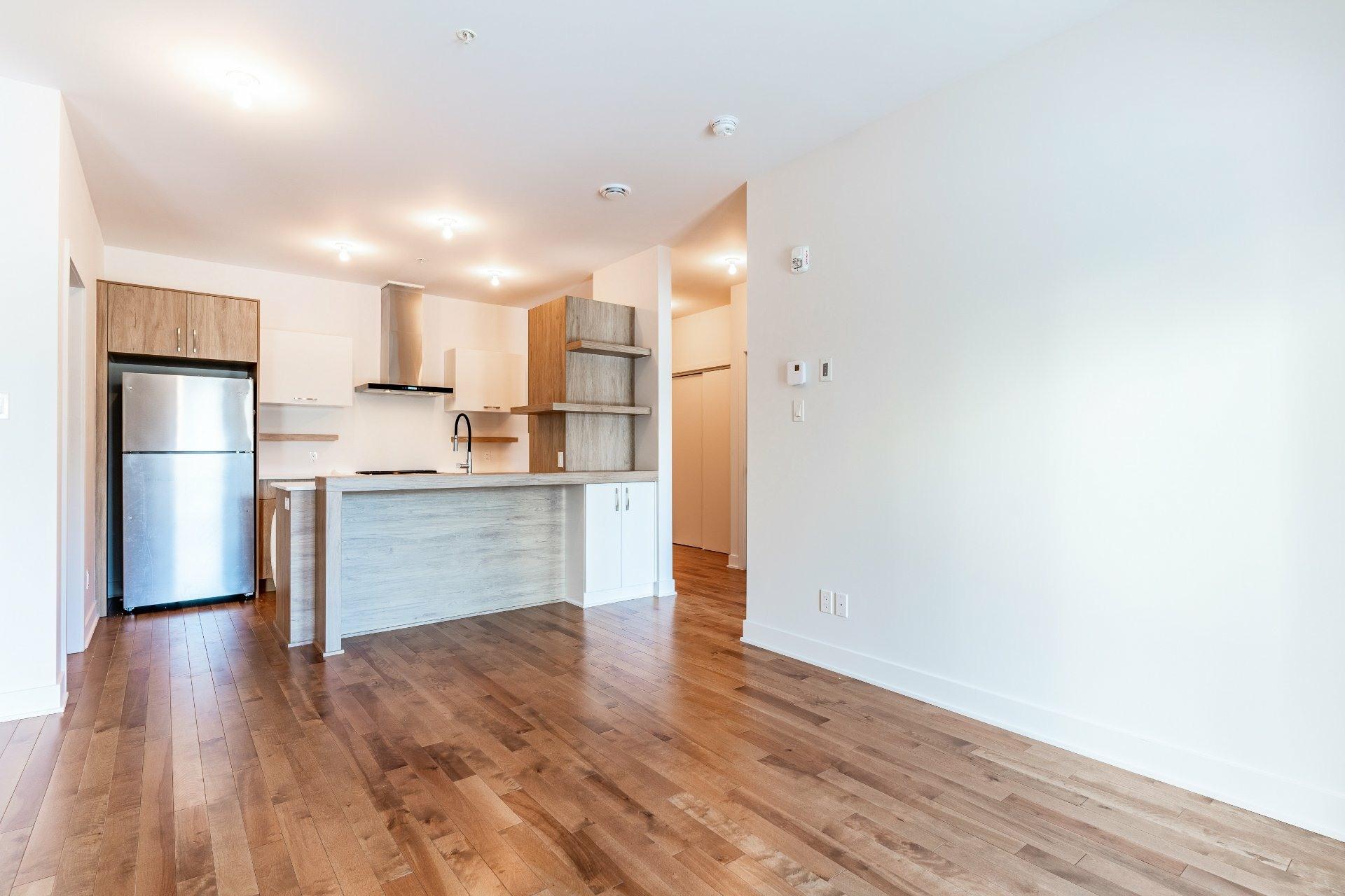 image 4 - Apartment For rent Rosemont/La Petite-Patrie Montréal  - 7 rooms
