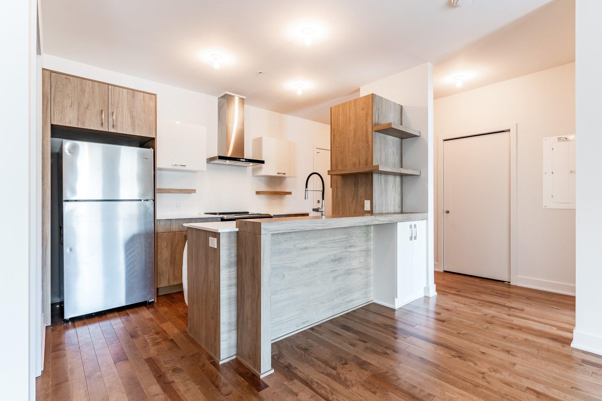 image 2 - Apartment For rent Rosemont/La Petite-Patrie Montréal  - 7 rooms