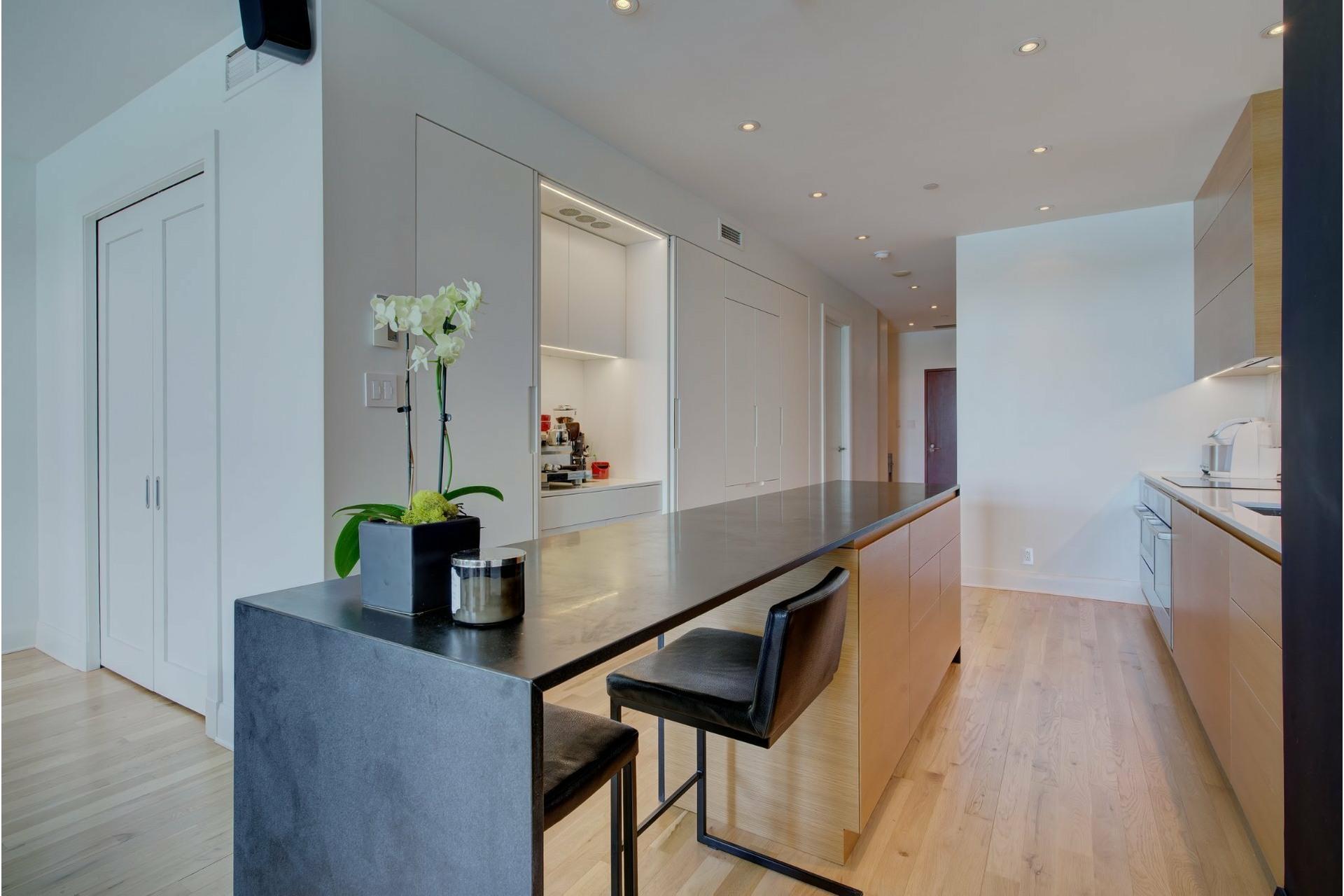 image 4 - Apartment For sale Ville-Marie Montréal  - 6 rooms