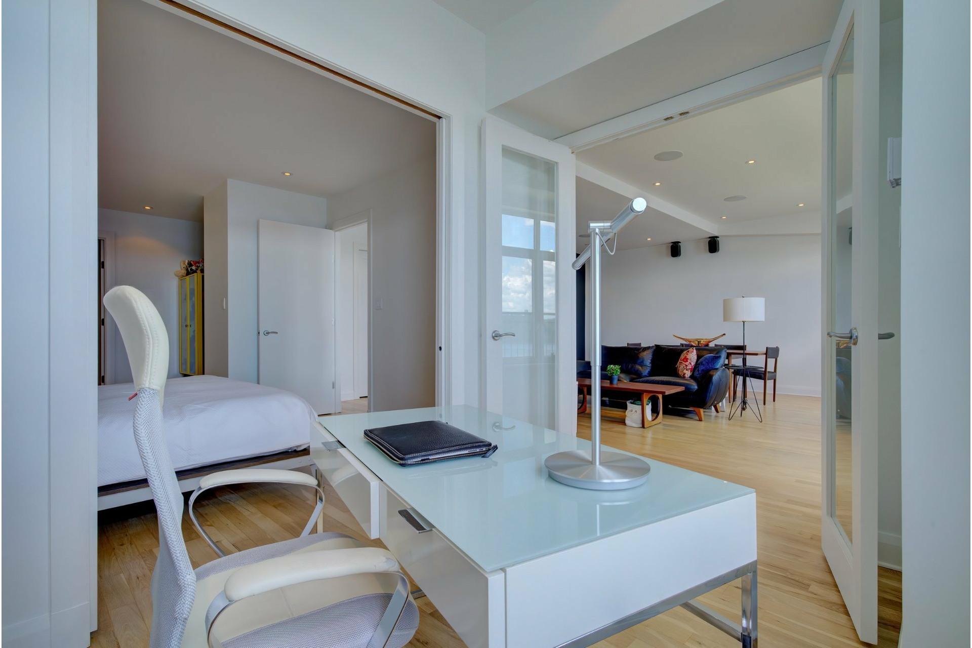 image 18 - Apartment For sale Ville-Marie Montréal  - 6 rooms