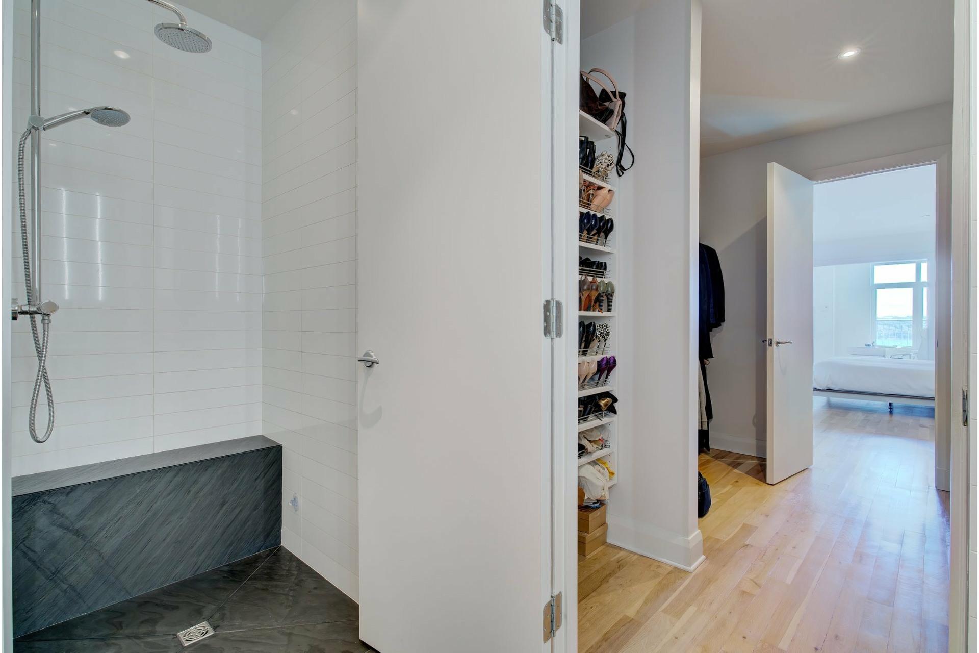image 22 - Apartment For sale Ville-Marie Montréal  - 6 rooms
