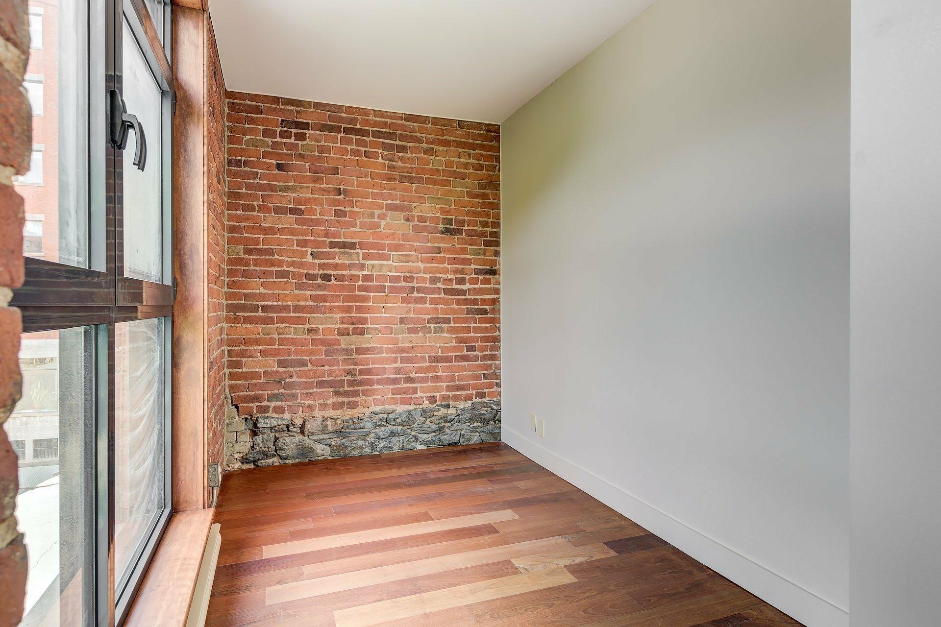 image 8 - Apartment For rent Ville-Marie Montréal  - 4 rooms