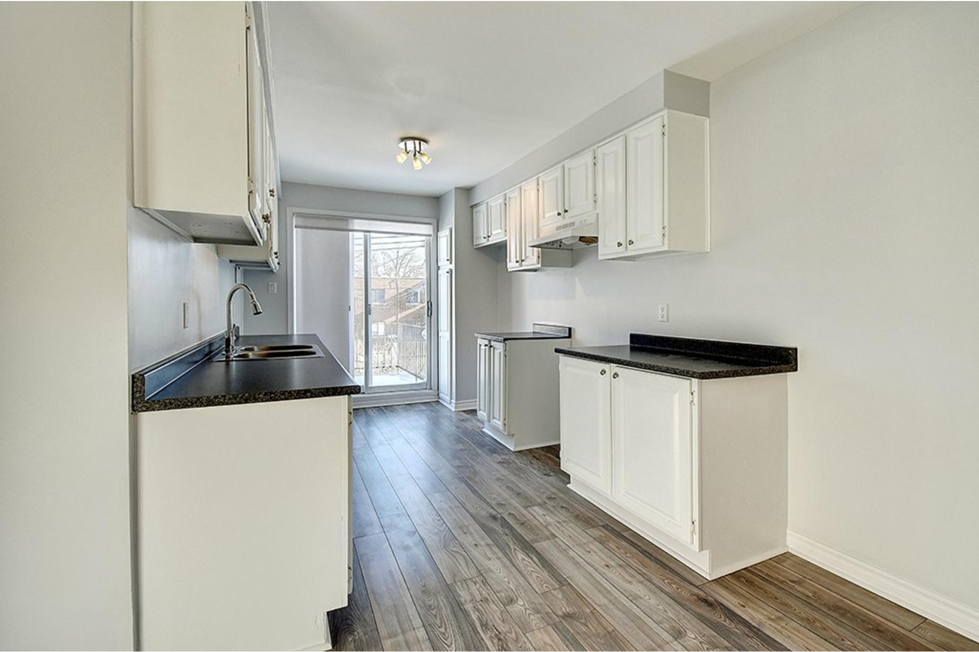 image 9 - Apartment For rent Le Sud-Ouest Montréal  - 5 rooms