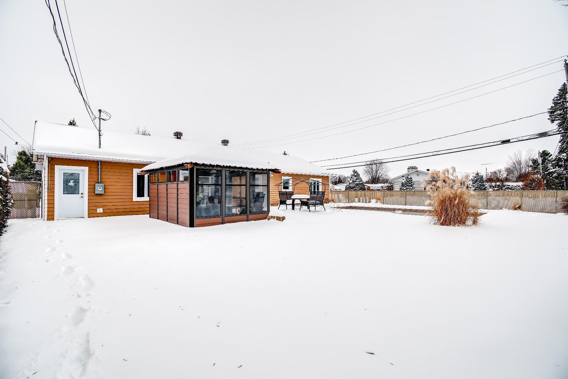 image 24 - Maison À vendre Louiseville - 8 pièces