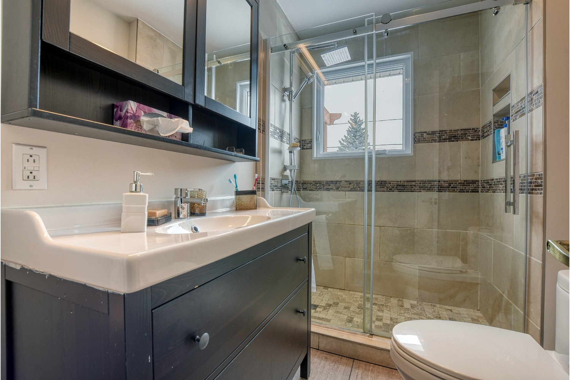 image 13 - House For sale Fabreville Laval  - 11 rooms