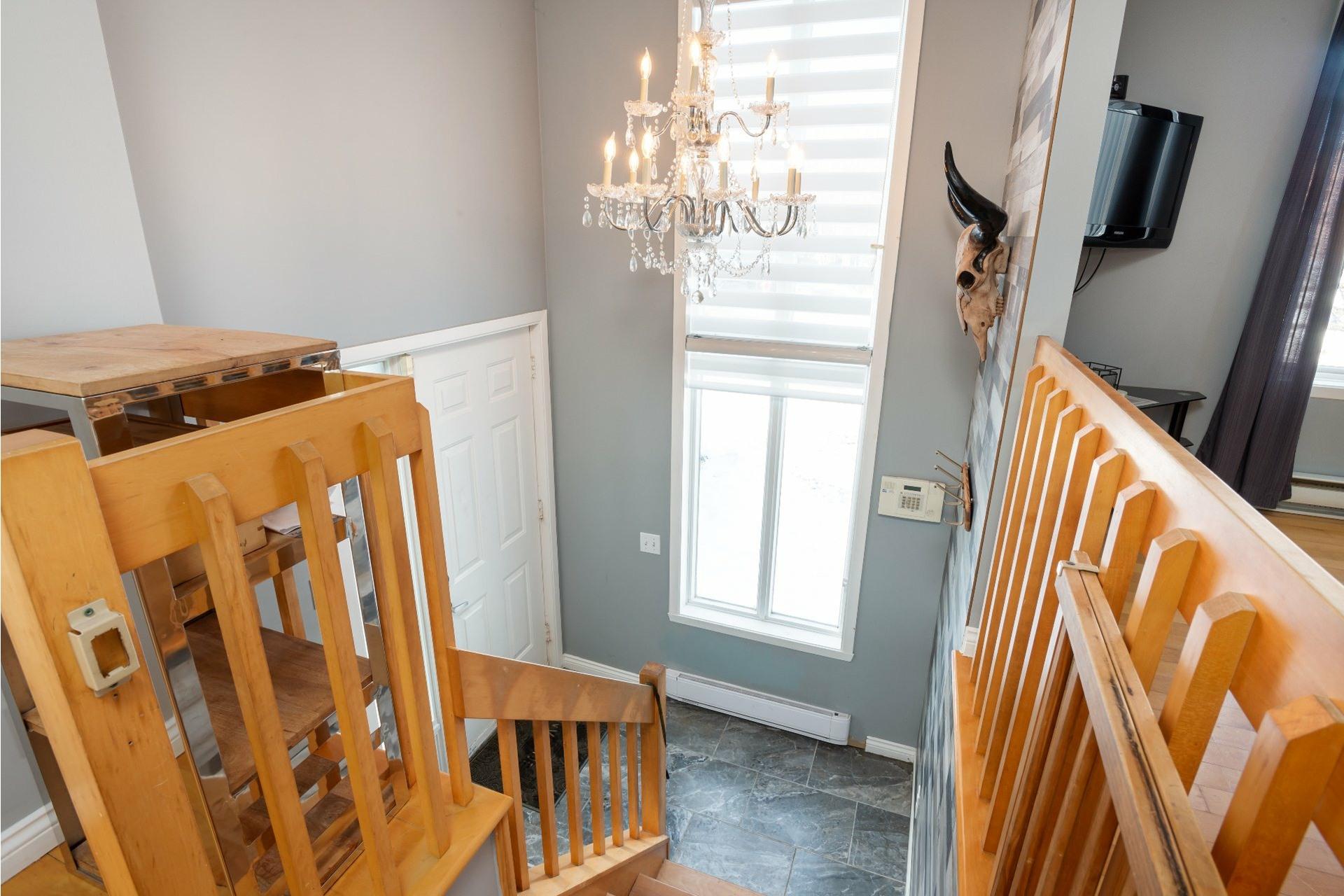 image 3 - House For sale La Haute-Saint-Charles Québec  - 9 rooms
