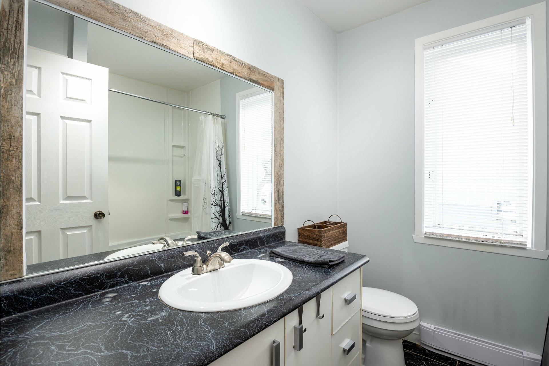 image 13 - House For sale La Haute-Saint-Charles Québec  - 9 rooms
