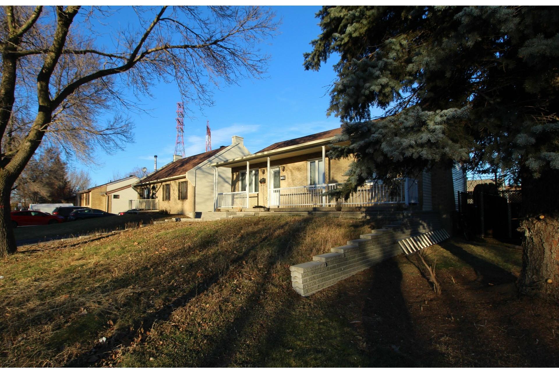 image 26 - Maison À vendre Rivière-des-Prairies/Pointe-aux-Trembles Montréal  - 9 pièces