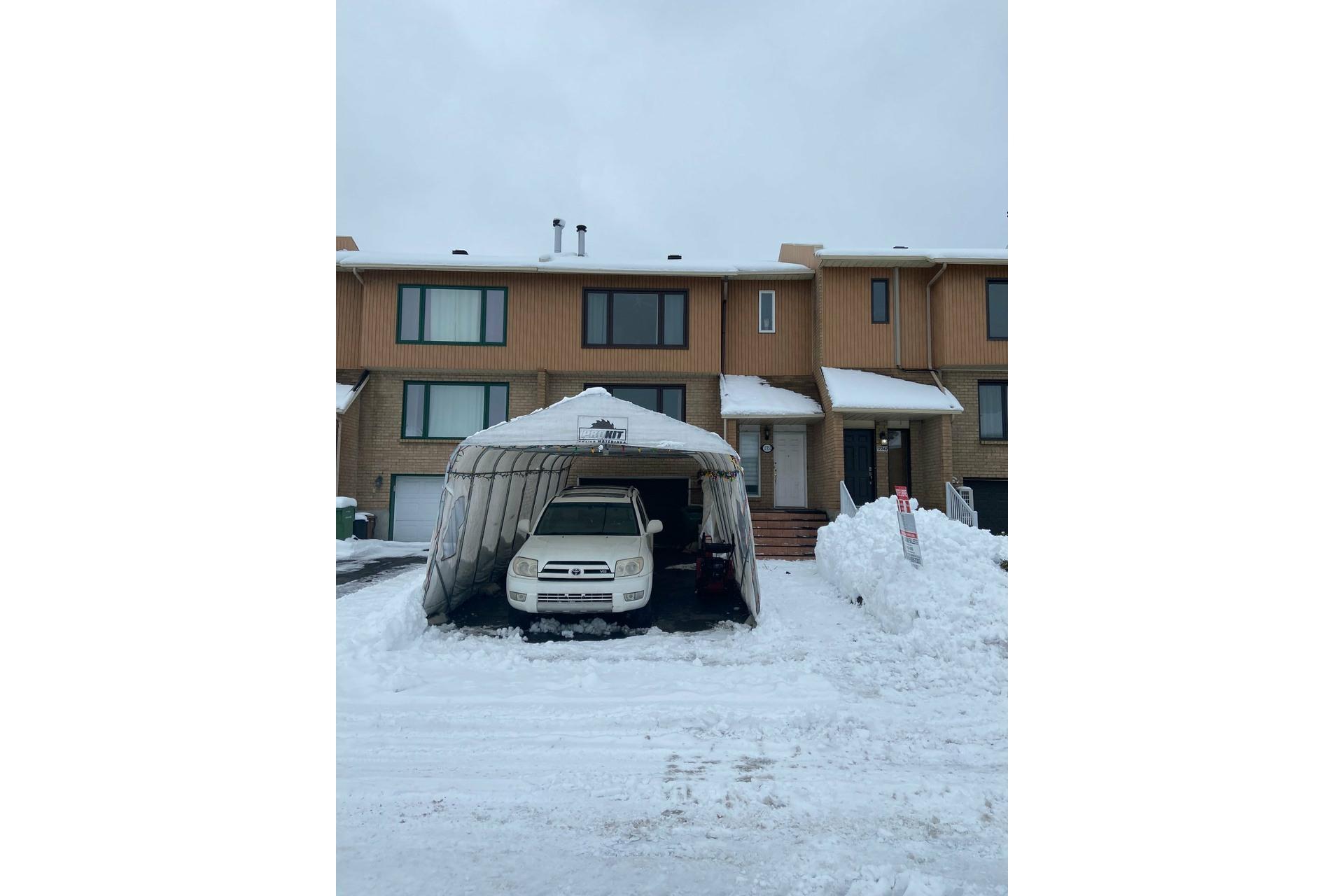 image 0 - Maison À vendre Pierrefonds-Roxboro Montréal  - 8 pièces