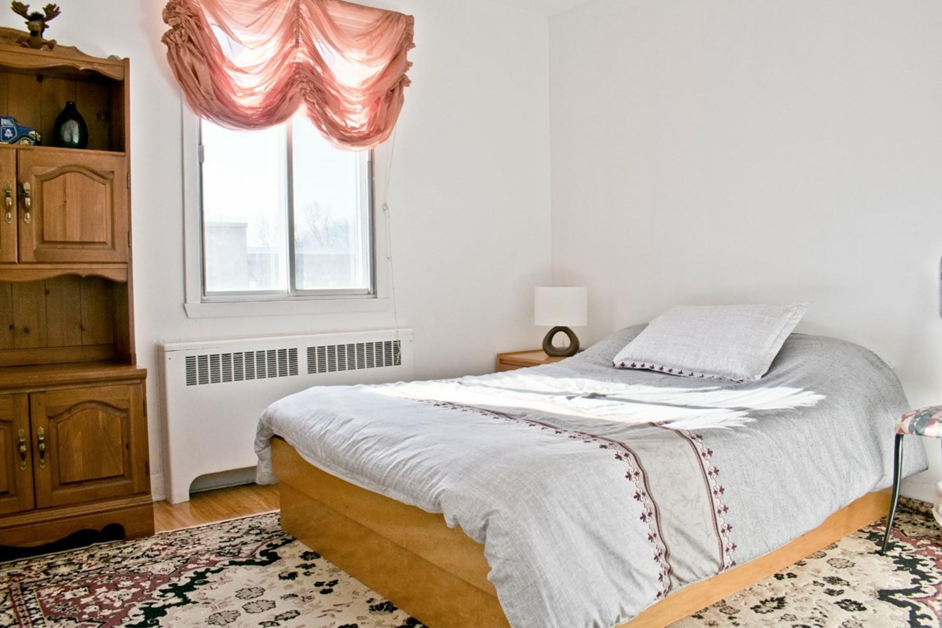 image 10 - Appartement À louer Côte-des-Neiges/Notre-Dame-de-Grâce Montréal  - 6 pièces