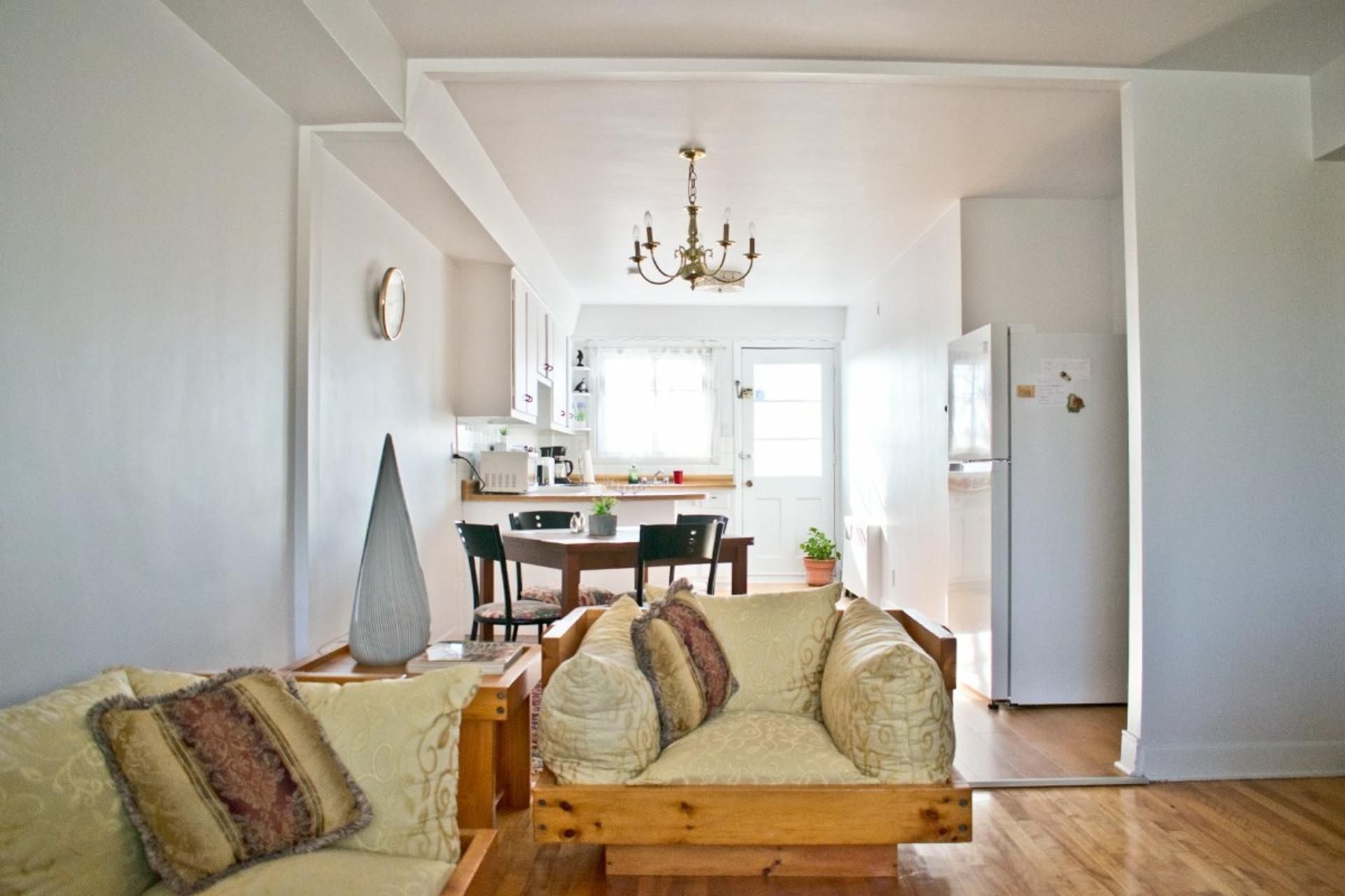 image 1 - Appartement À louer Côte-des-Neiges/Notre-Dame-de-Grâce Montréal  - 6 pièces