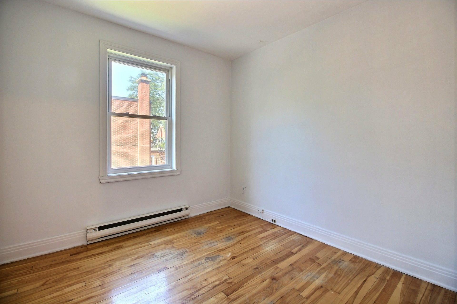 image 9 - Apartment For rent Rosemont/La Petite-Patrie Montréal  - 5 rooms
