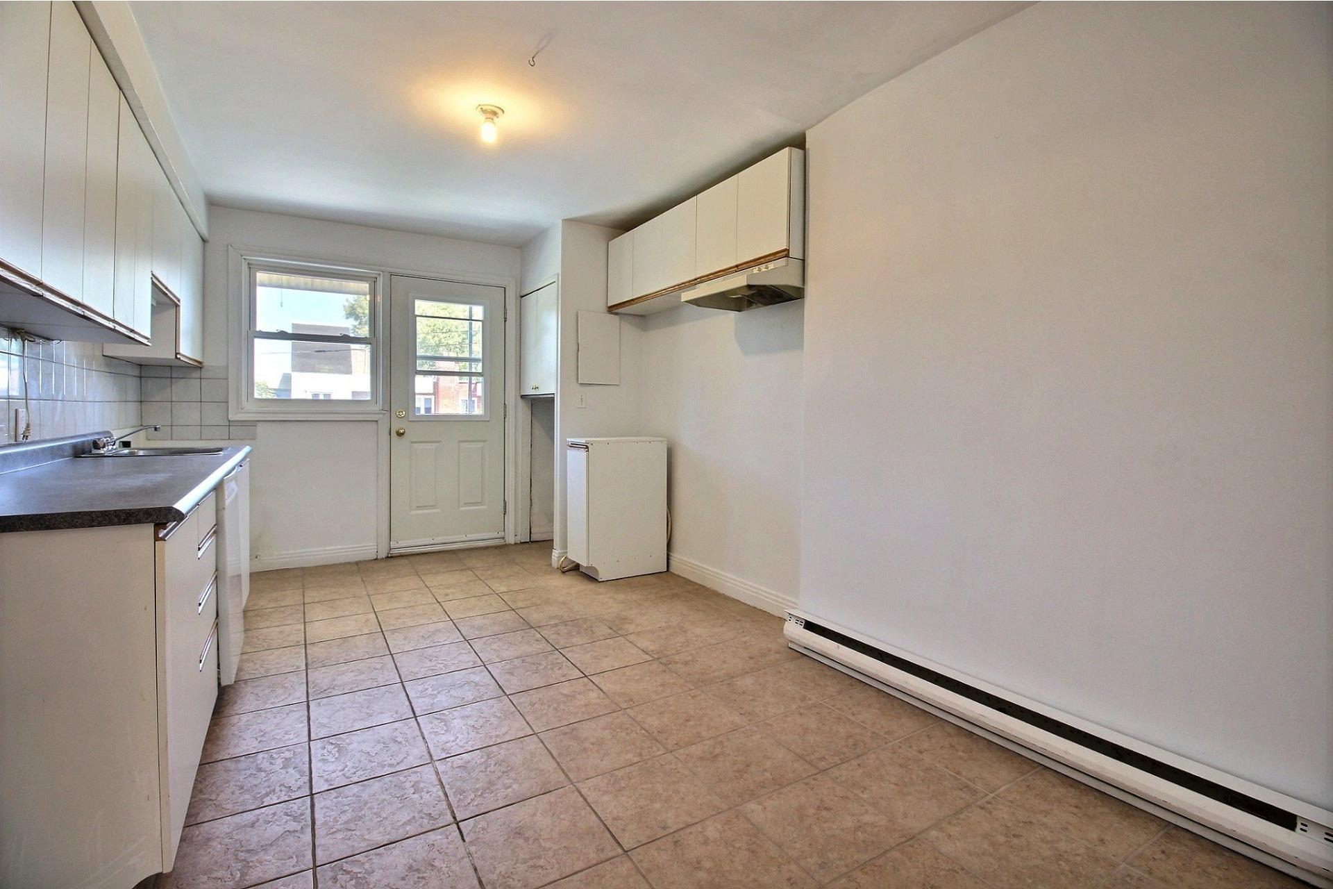 image 3 - Apartment For rent Rosemont/La Petite-Patrie Montréal  - 5 rooms