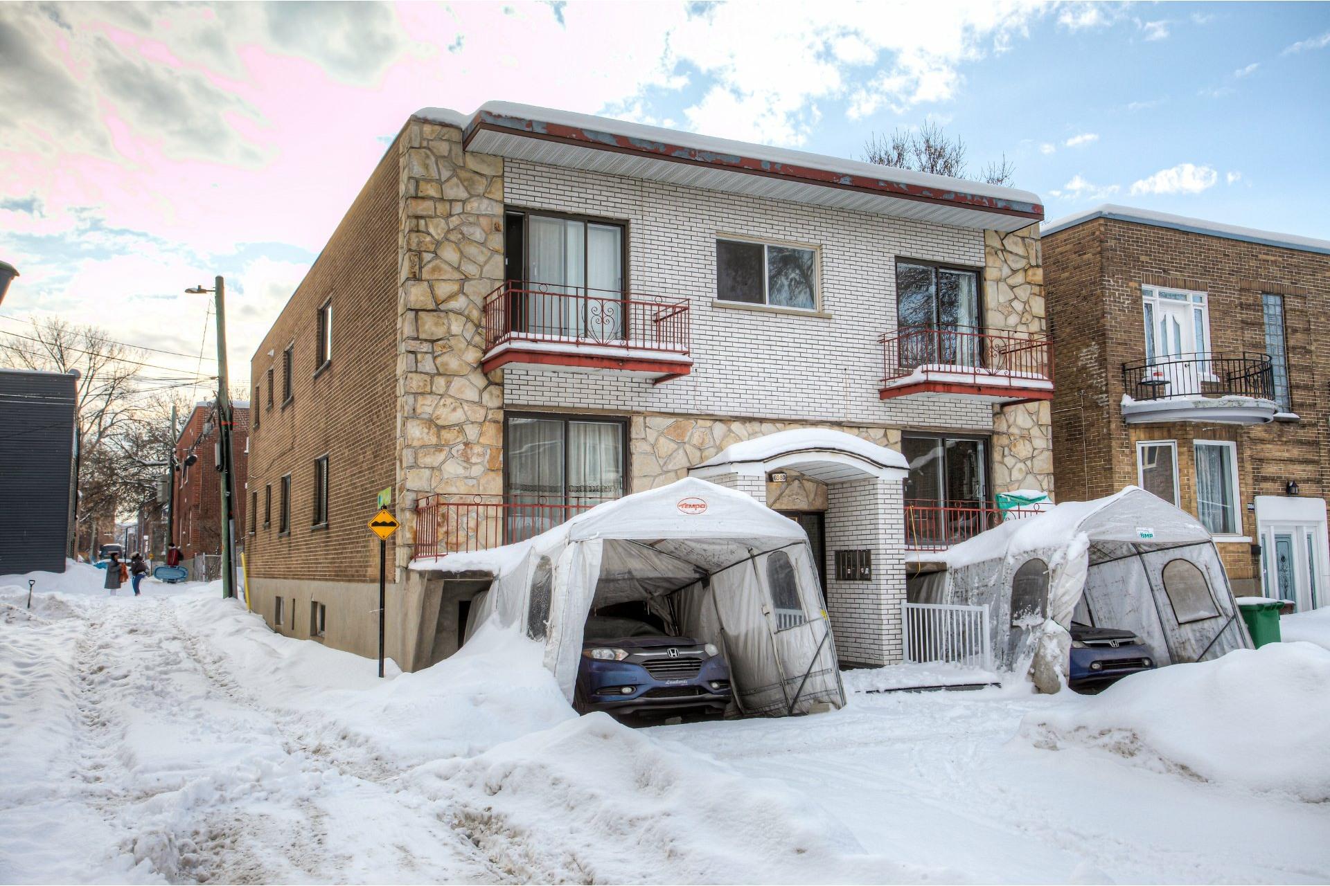 image 2 - Income property For sale Rosemont/La Petite-Patrie Montréal  - 4 rooms