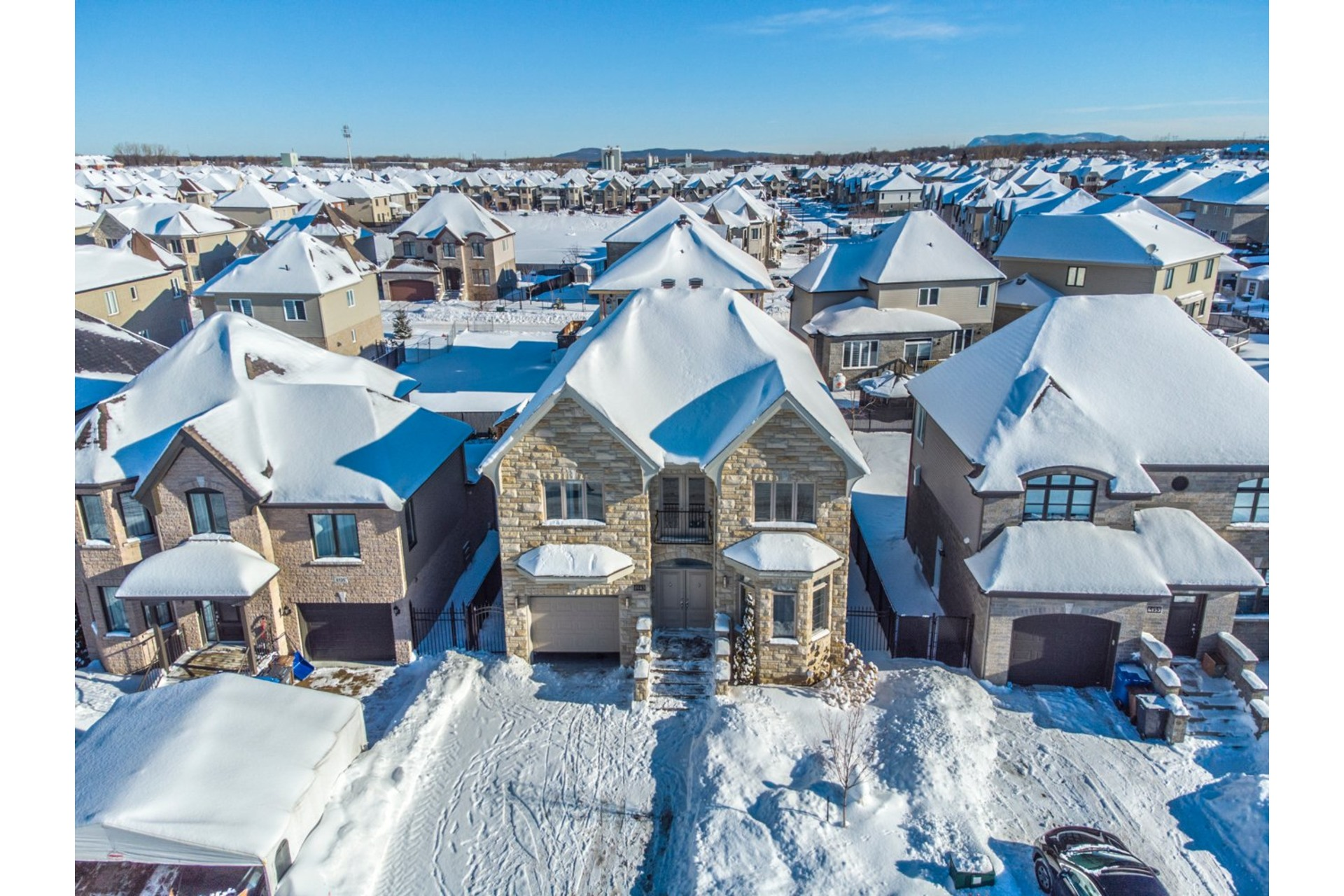 image 37 - House For sale Brossard - 19 rooms