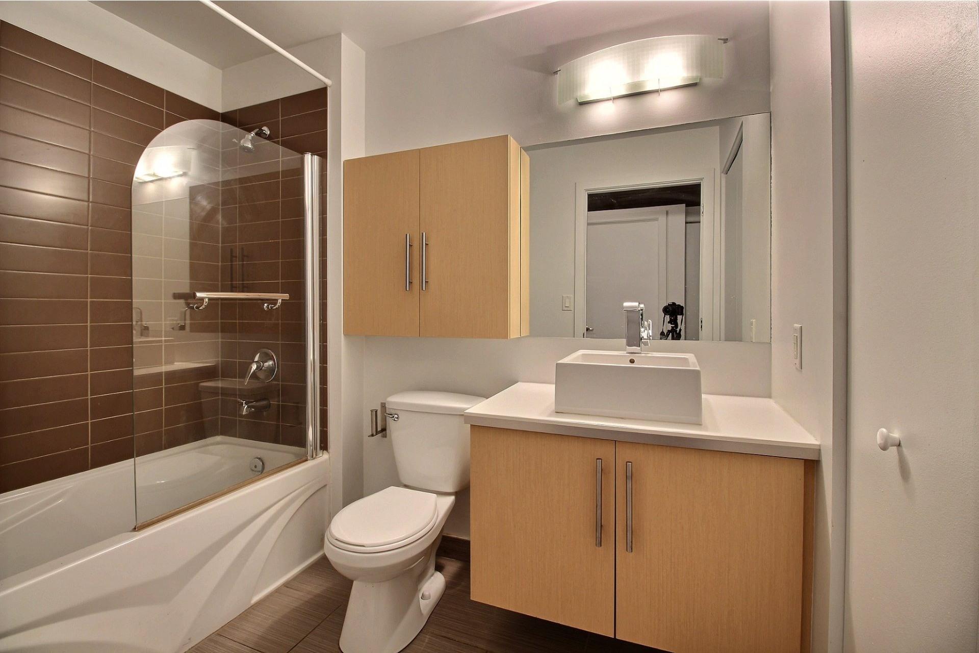 image 12 - Apartment For rent Mercier/Hochelaga-Maisonneuve Montréal  - 6 rooms