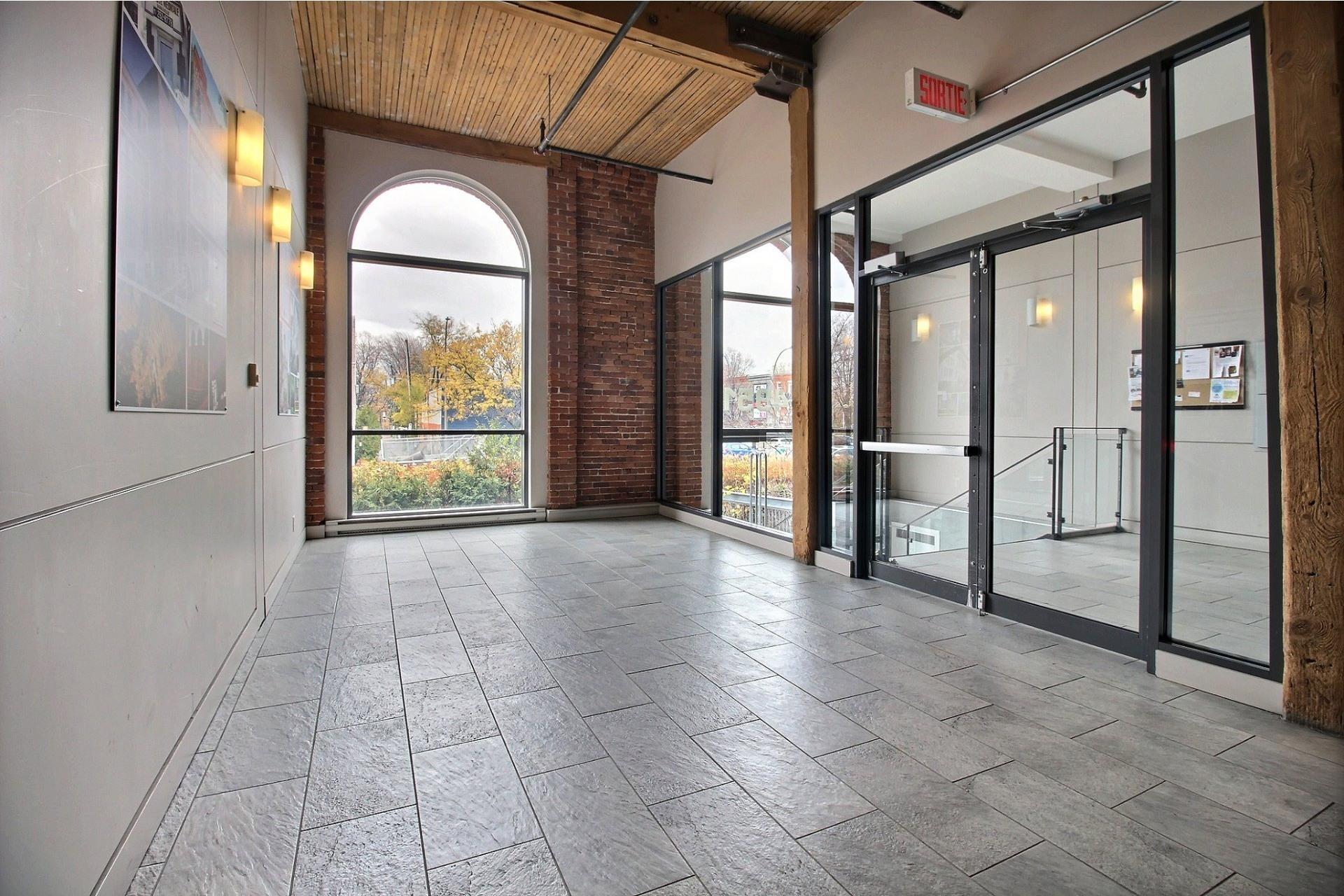 image 6 - Apartment For rent Mercier/Hochelaga-Maisonneuve Montréal  - 6 rooms