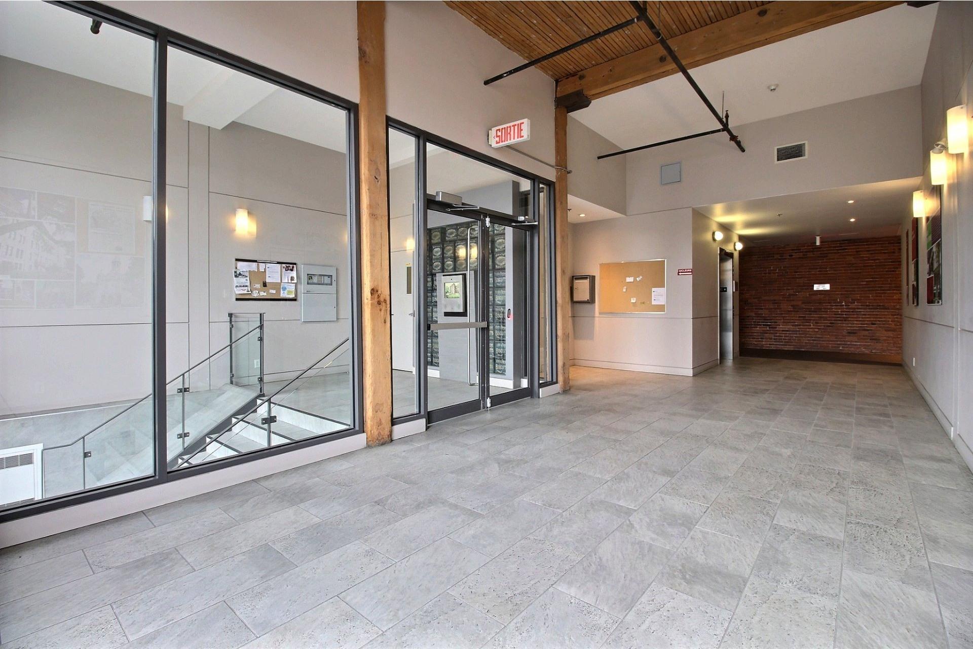 image 5 - Apartment For rent Mercier/Hochelaga-Maisonneuve Montréal  - 6 rooms