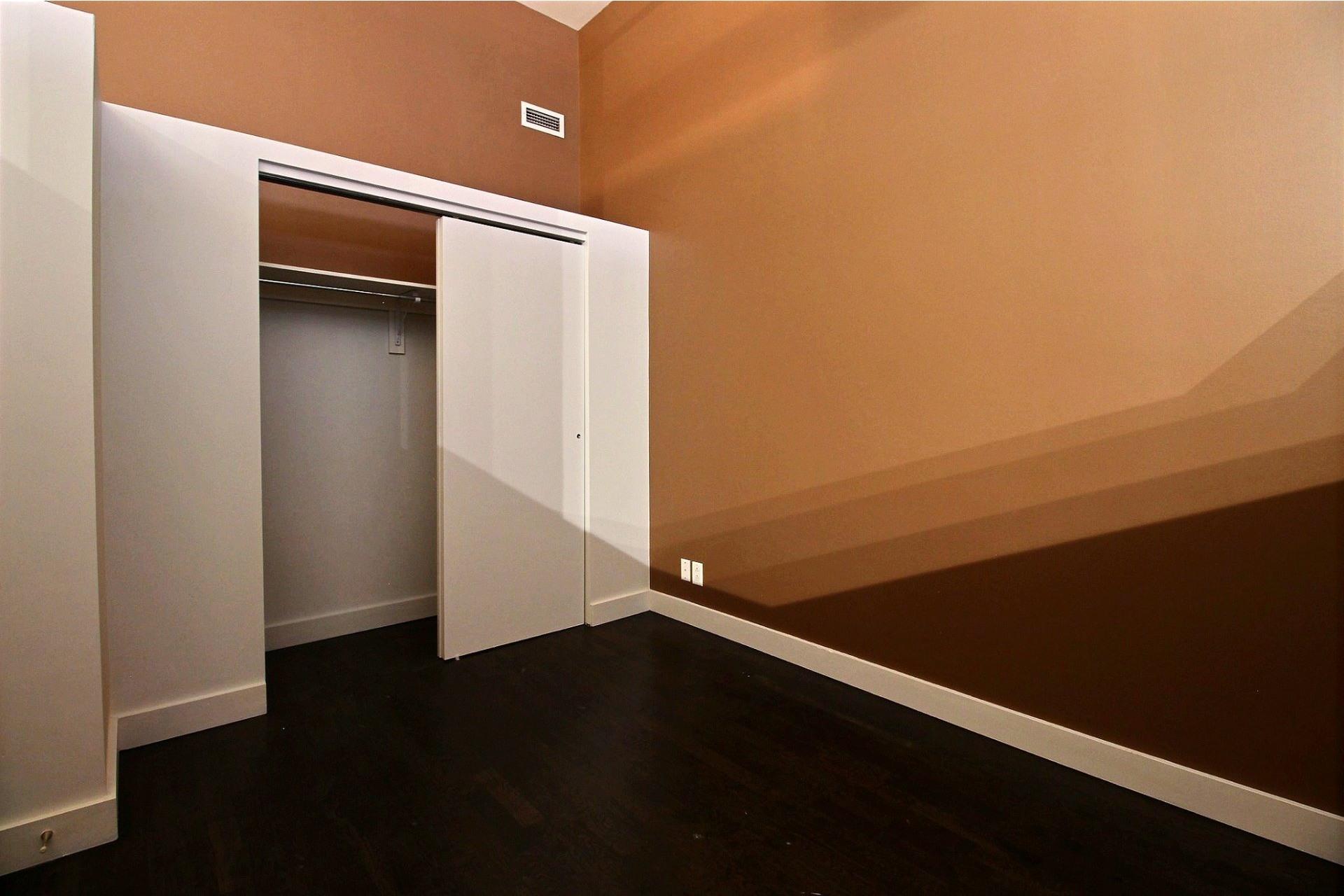image 14 - Apartment For rent Mercier/Hochelaga-Maisonneuve Montréal  - 6 rooms