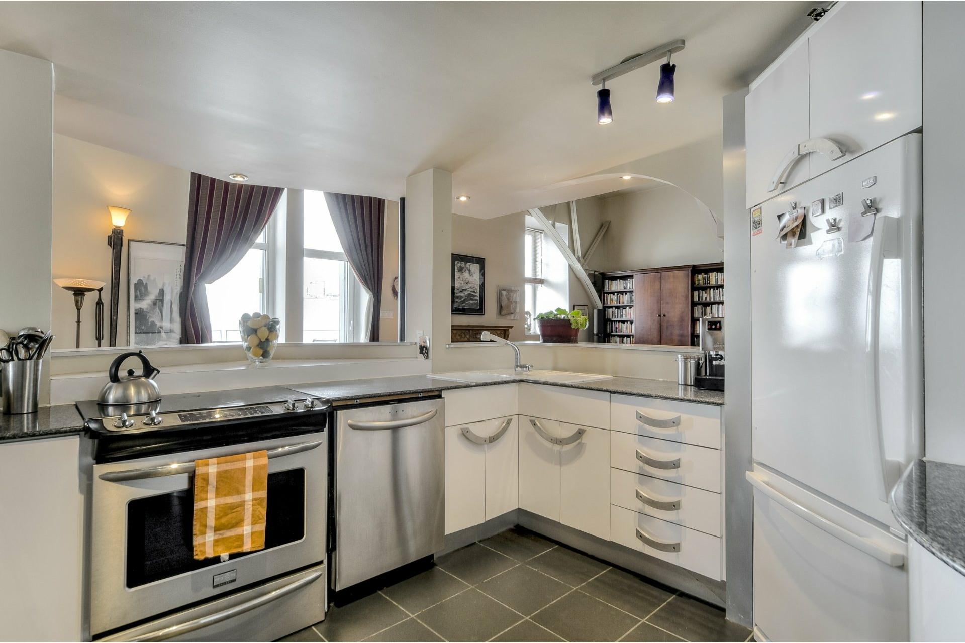 image 13 - Appartement À vendre Ville-Marie Montréal  - 10 pièces