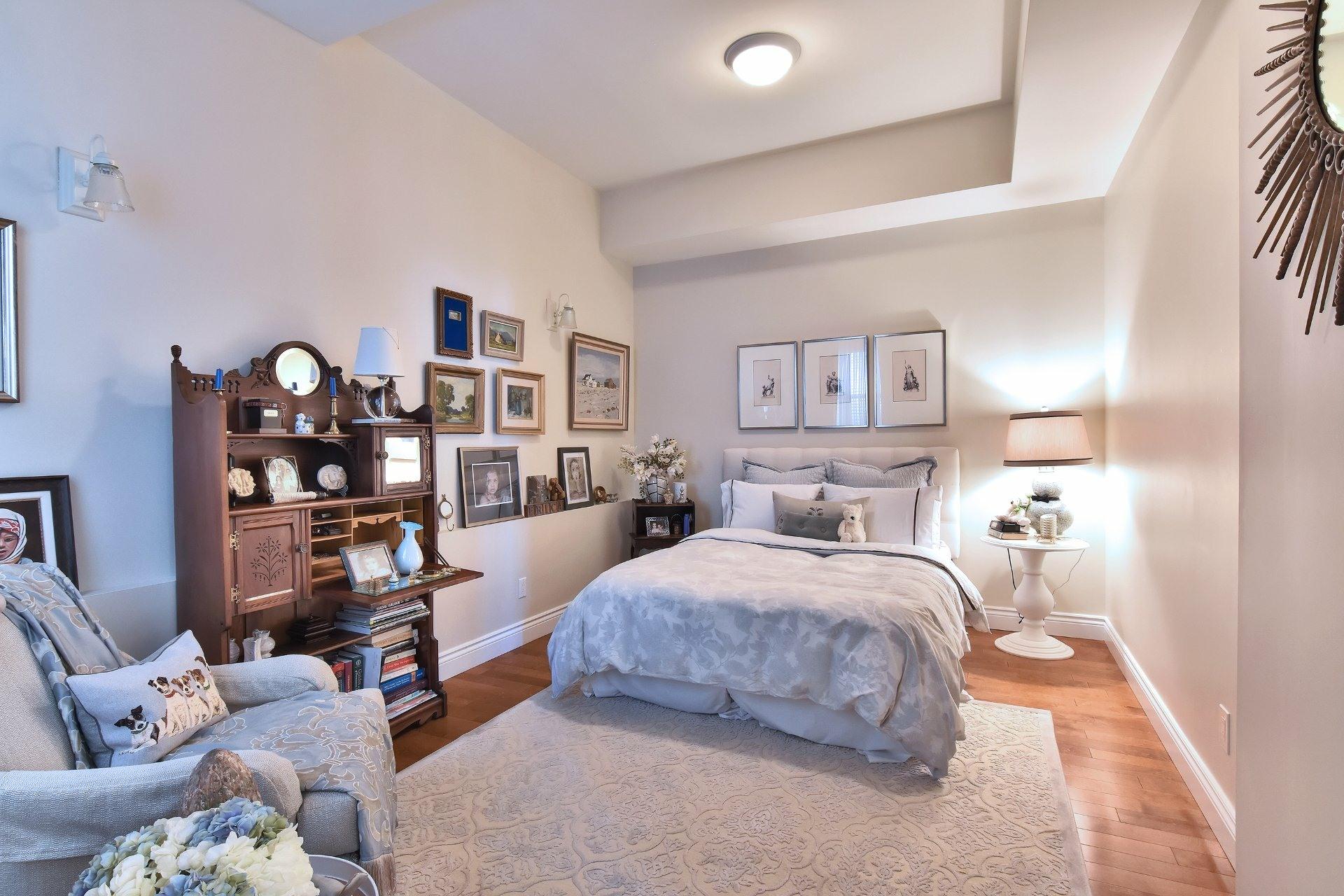 image 1 - Appartement À vendre Côte-des-Neiges/Notre-Dame-de-Grâce Montréal  - 5 pièces