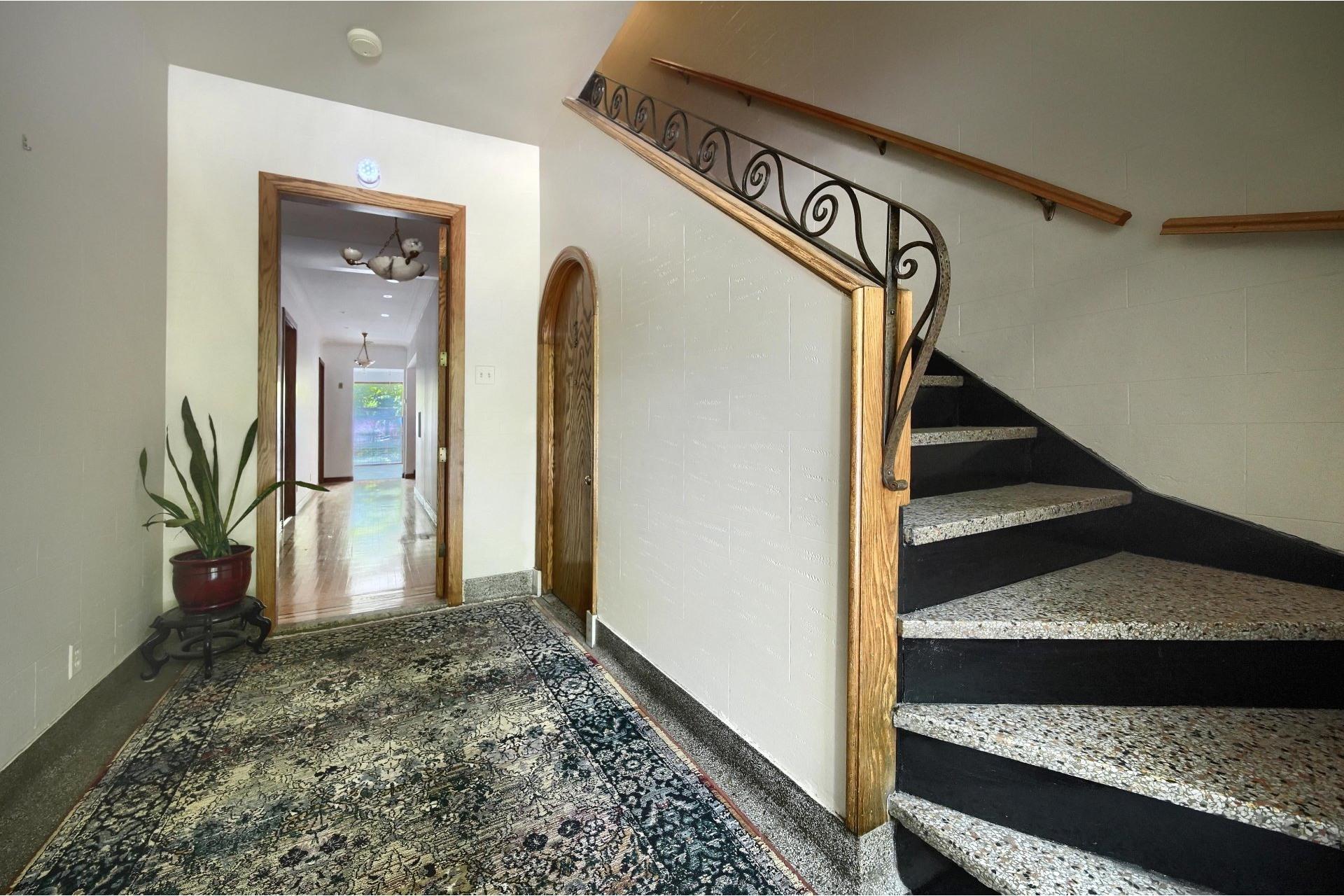 image 3 - Apartment For rent Ville-Marie Montréal  - 10 rooms