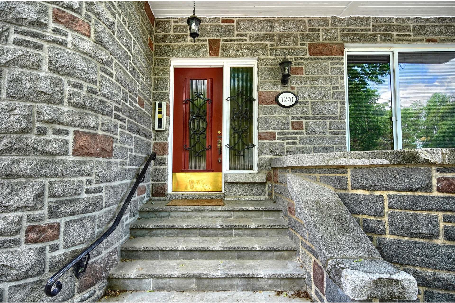 image 2 - Apartment For rent Ville-Marie Montréal  - 10 rooms