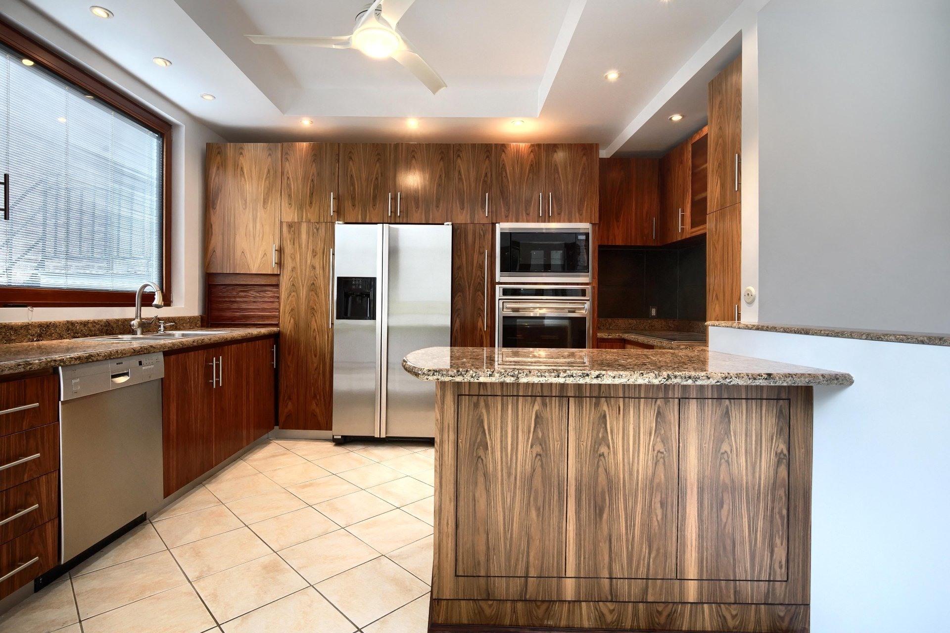 image 5 - Apartment For rent Ville-Marie Montréal  - 10 rooms