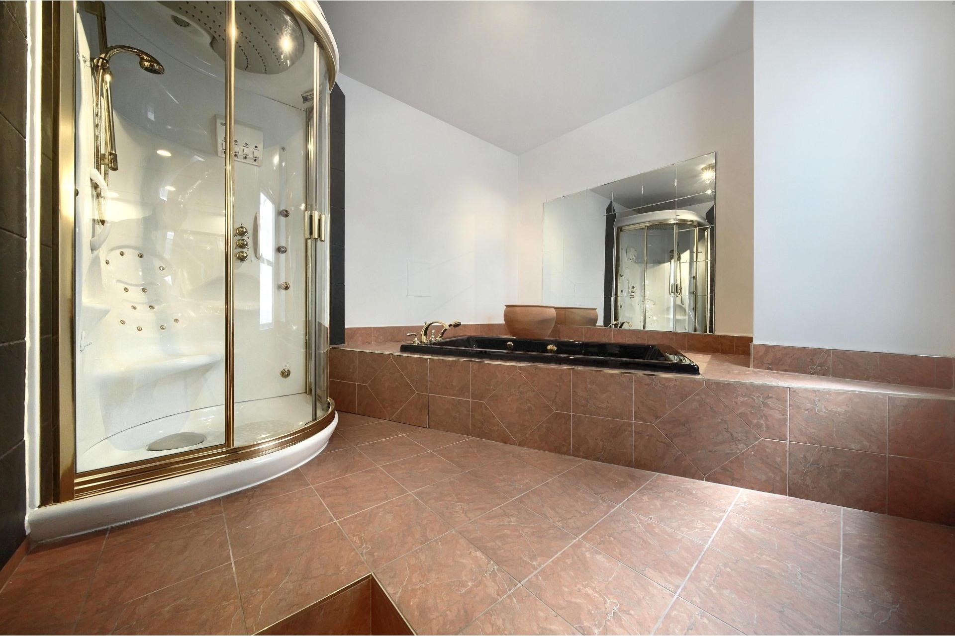 image 23 - Apartment For rent Ville-Marie Montréal  - 10 rooms