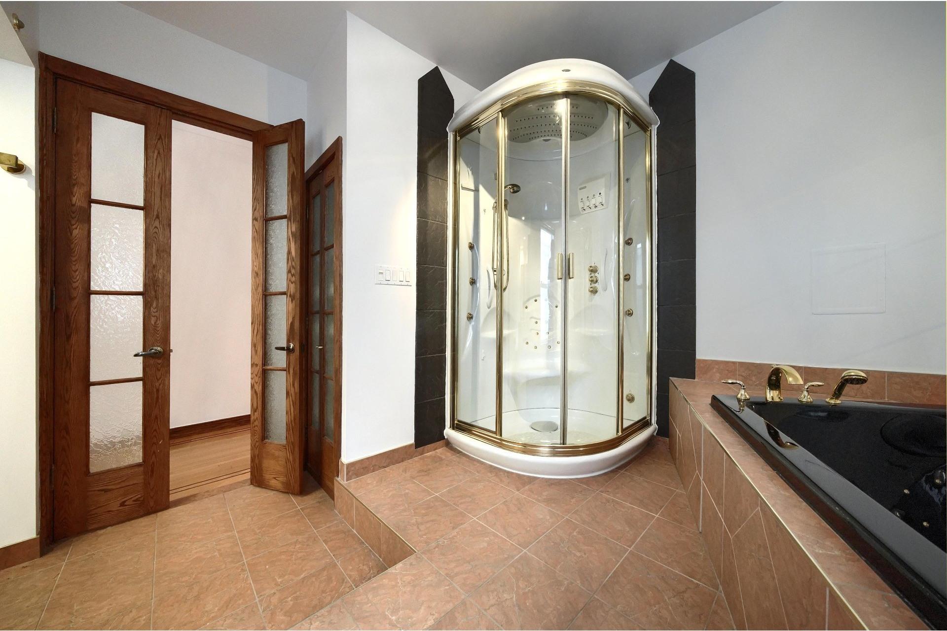 image 24 - Apartment For rent Ville-Marie Montréal  - 10 rooms