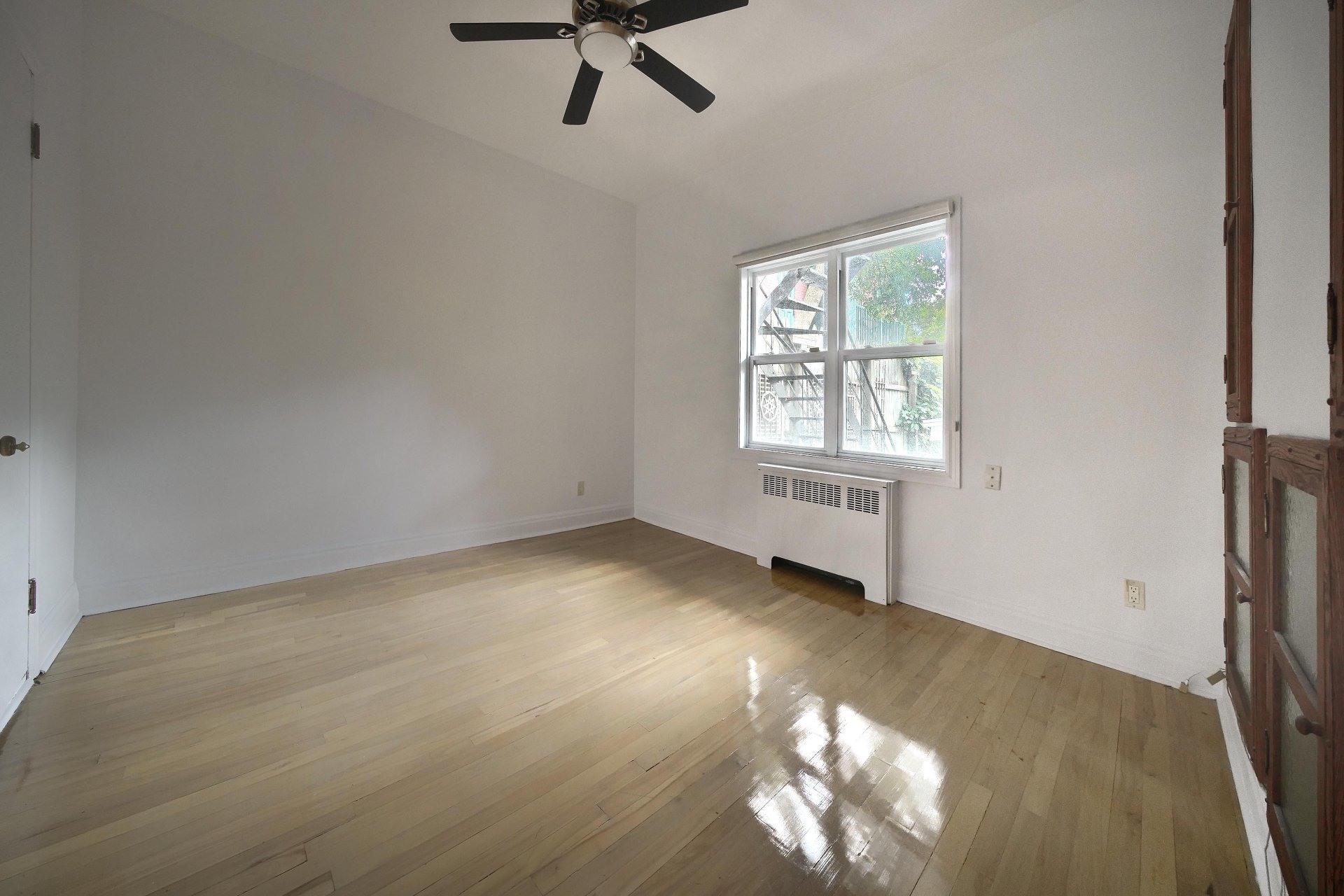 image 19 - Apartment For rent Ville-Marie Montréal  - 10 rooms