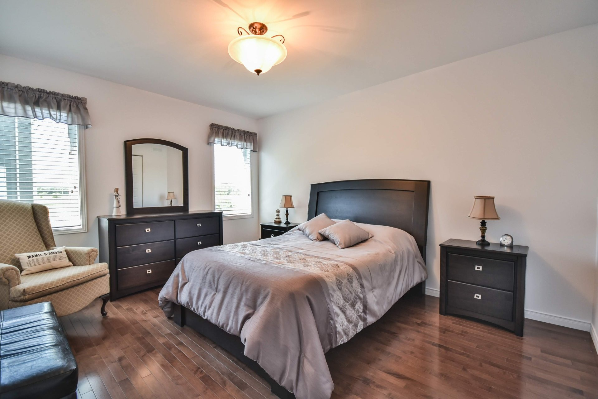 image 12 - House For sale Louiseville - 11 rooms