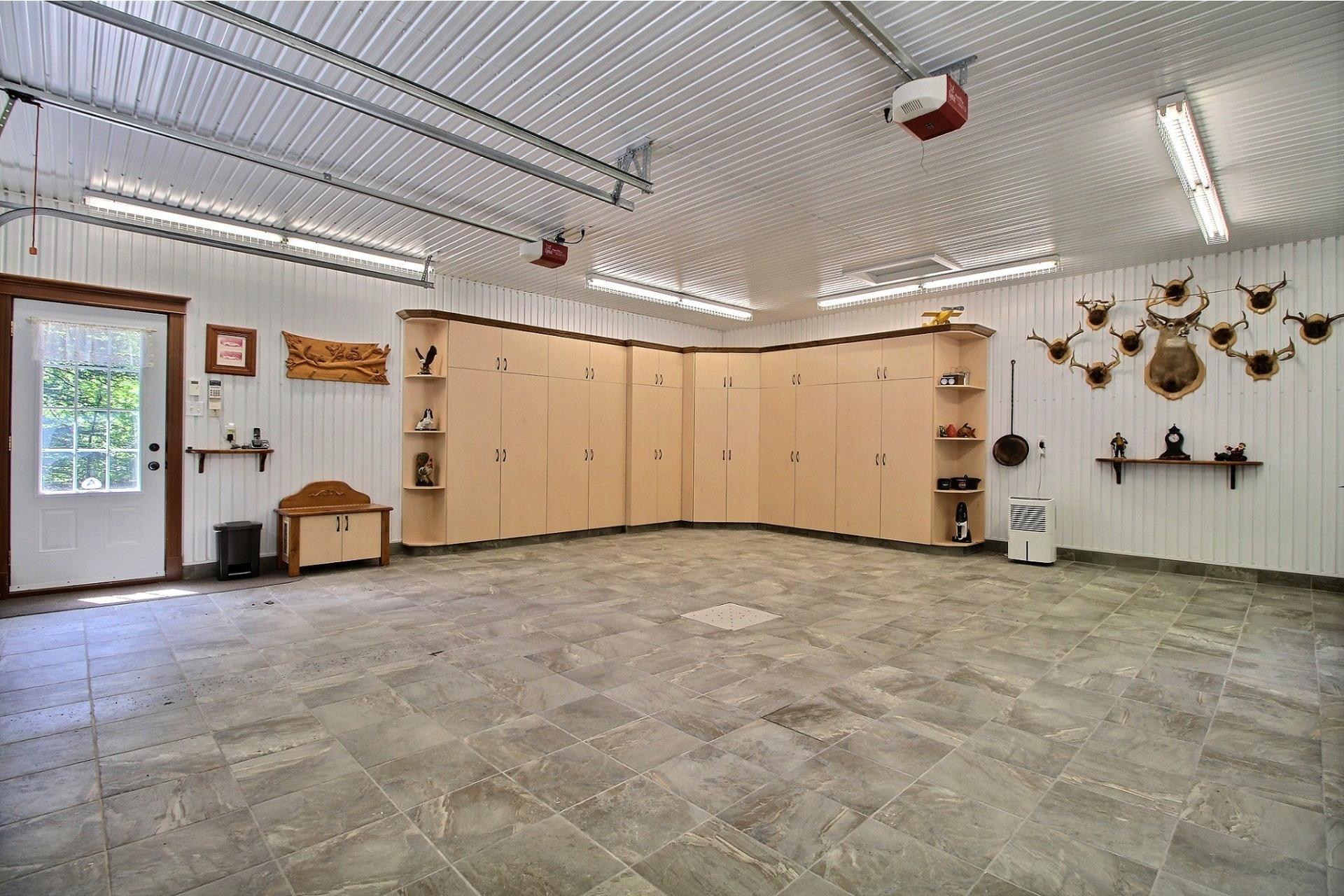 image 21 - Maison À vendre Saint-Félix-de-Valois - 4 pièces