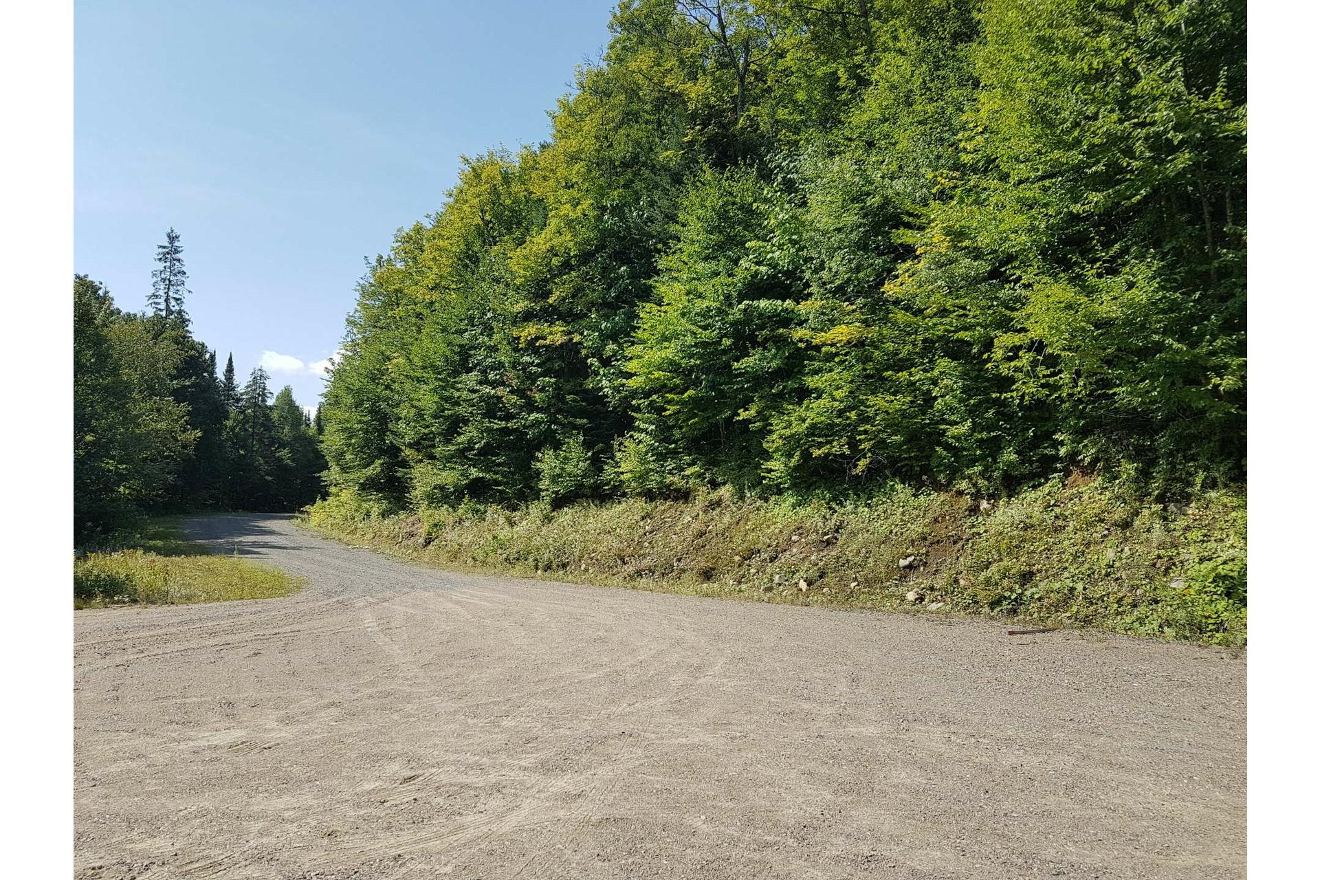 image 2 - Land For sale Lac-Supérieur
