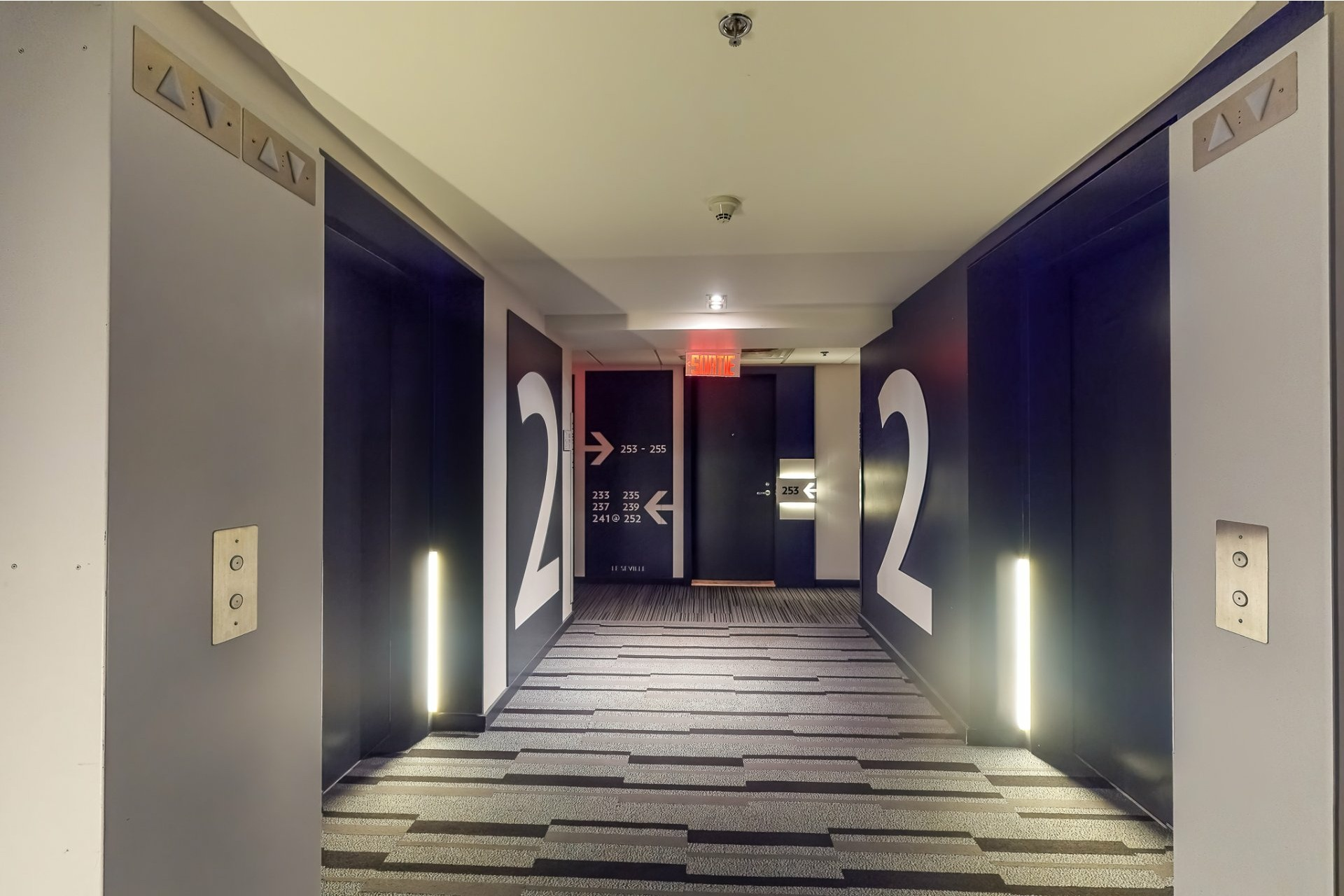 image 10 - Apartment For sale Ville-Marie Montréal  - 2 rooms