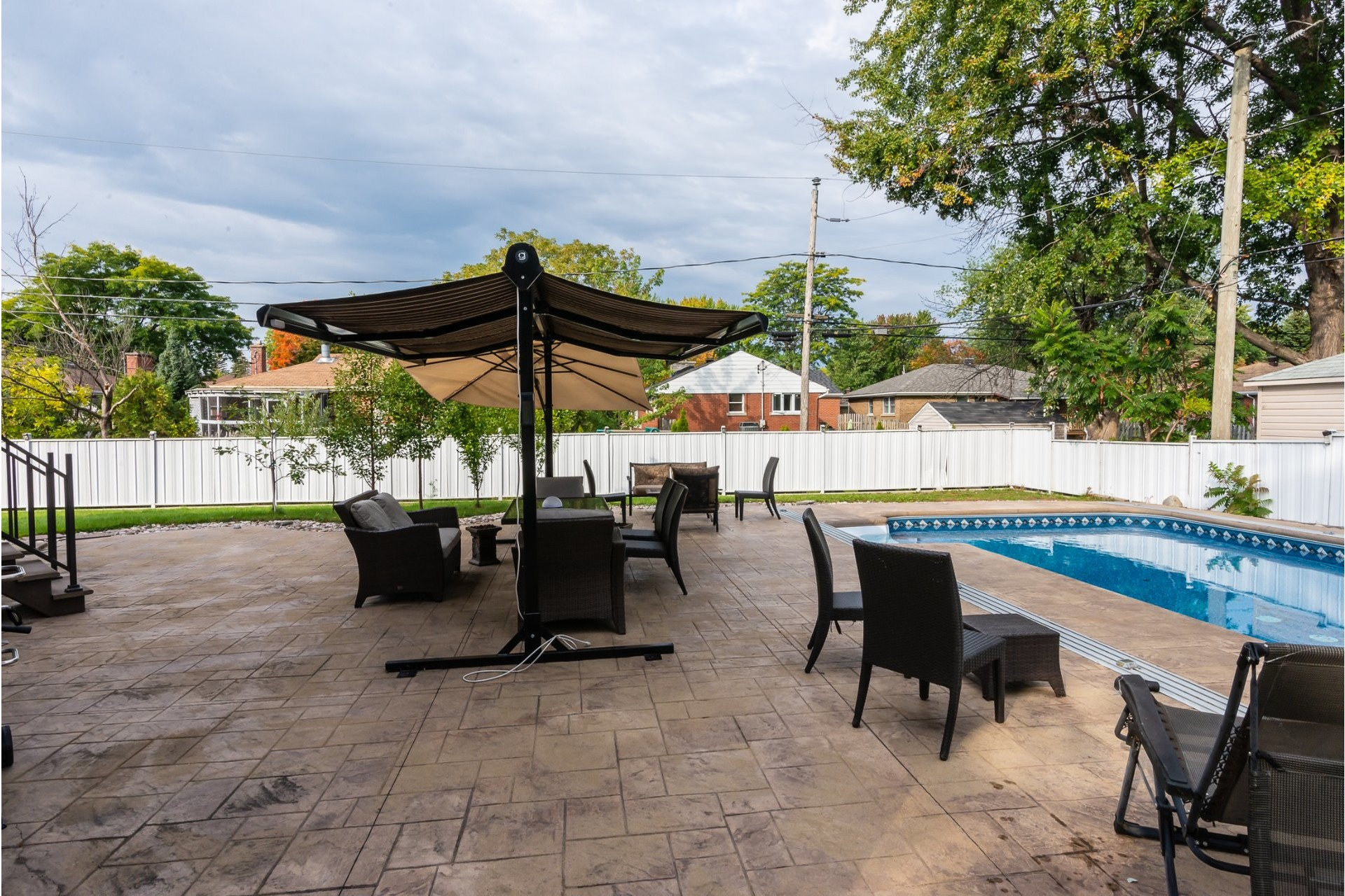 image 2 - House For sale Dorval - 16 rooms