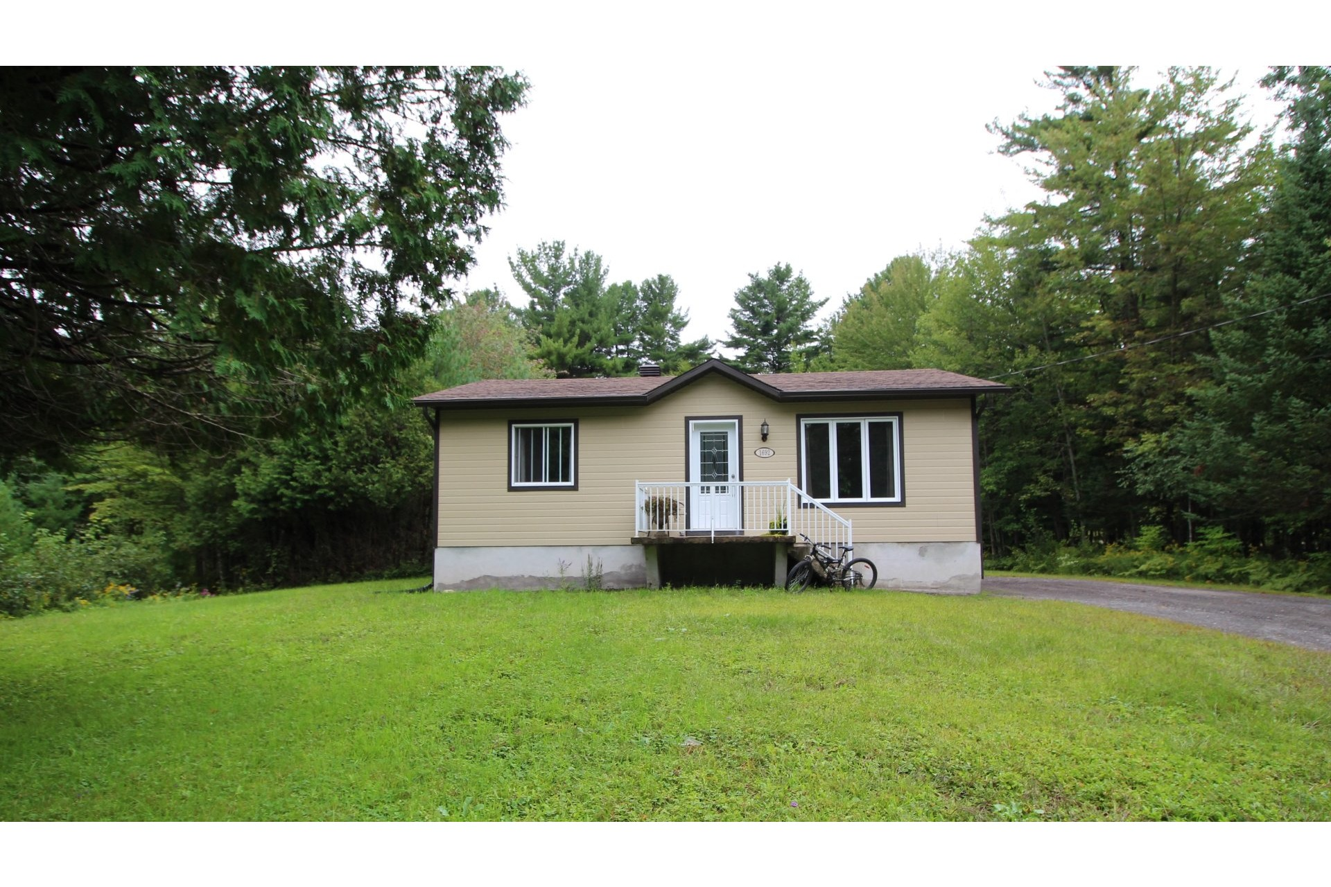 image 17 - House For sale Saint-Lin/Laurentides - 8 rooms
